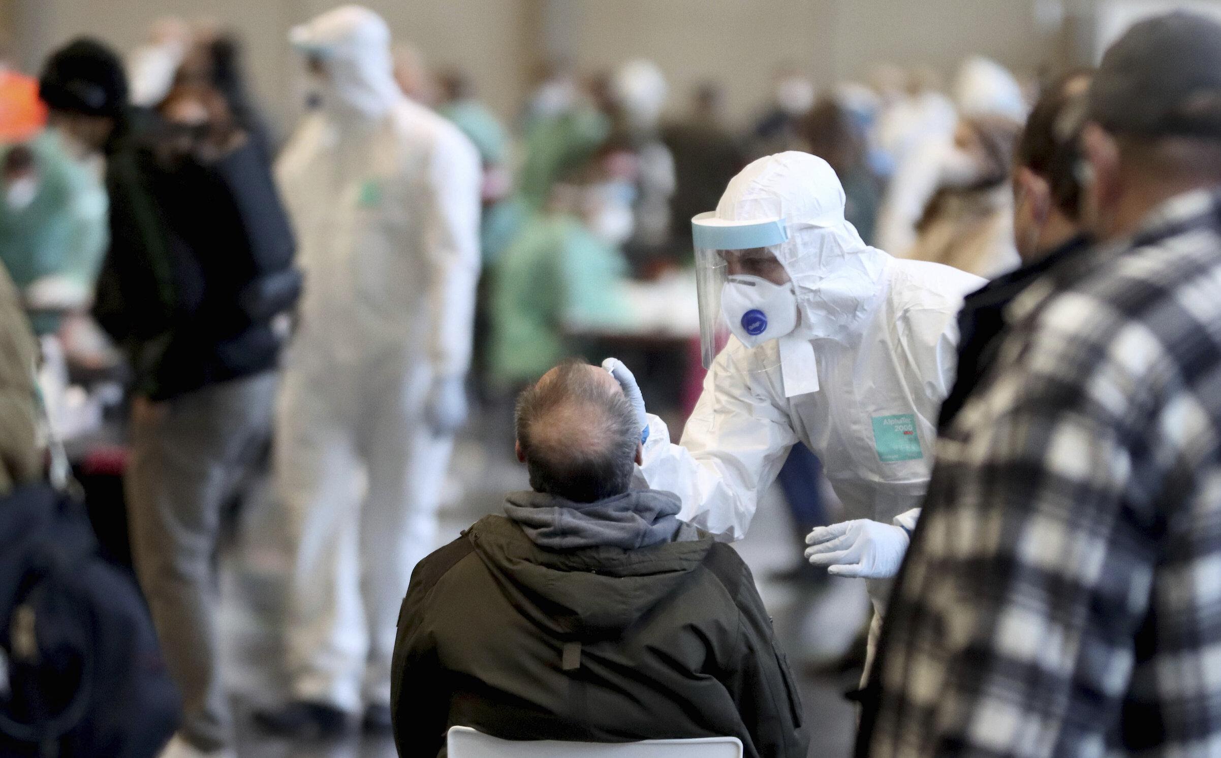 Testarea în masă este lipsită de sens. Slovacia a pariat pe această strategie, dar epidemia accelerează din nou