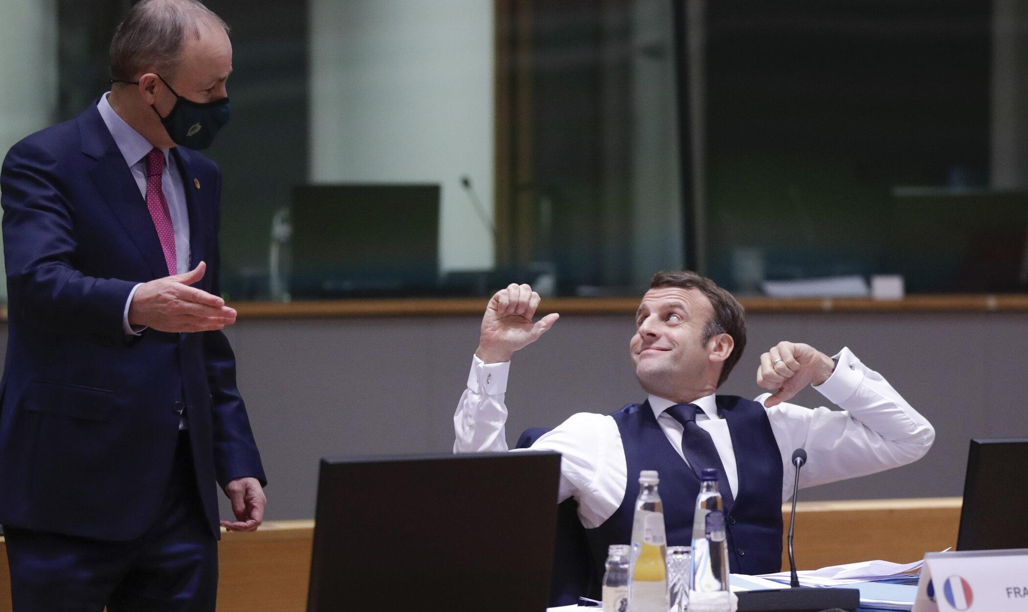 Cina politică organizată de Macron aseară a depășit cu mult limita de șase persoane. Astăzi a fost testat pozitiv pentru Covid-19