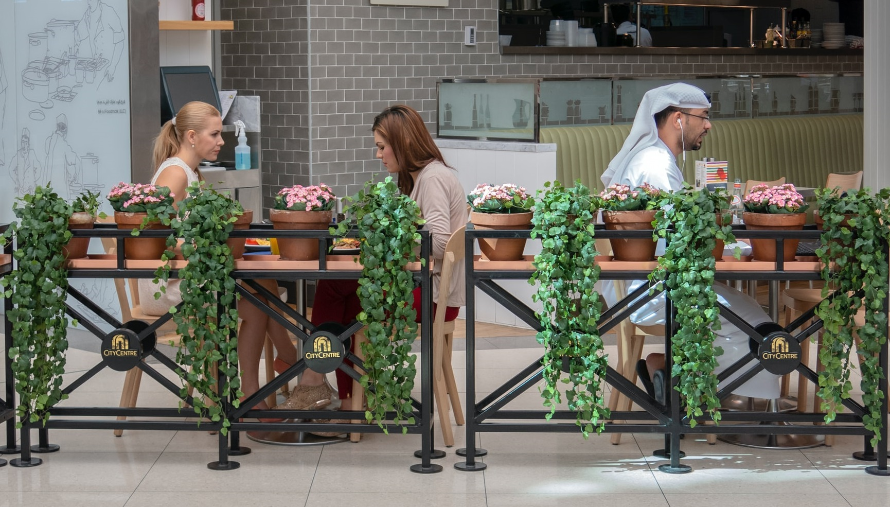 Restaurantele din Dubai oferă reduceri celor vaccinați anti-Covid. 10% la prima doză, 20% la a doua