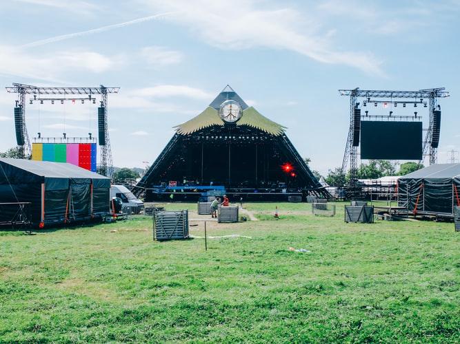 Te așteaptă o nouă vară fără festivaluri. Cel mai mare festival de muzică din lume, anulat și în 2021 din cauza pandemiei