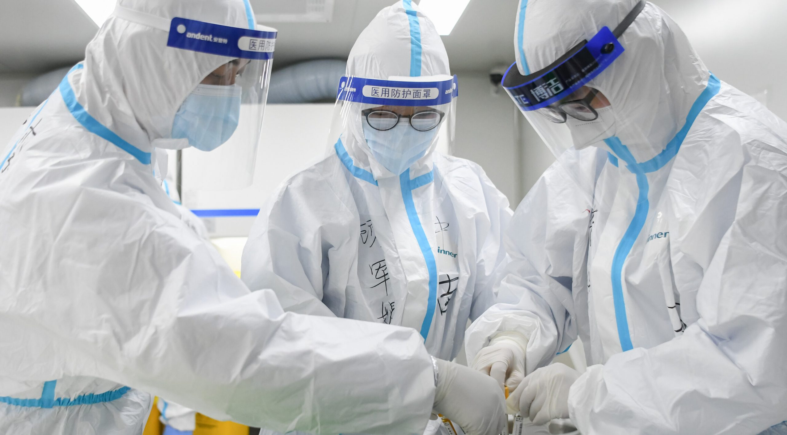 """Medicii din Wuhan recunosc că au fost obligați să ascundă amploarea epidemiei. """"Ni s-a ordonat să tăcem"""""""