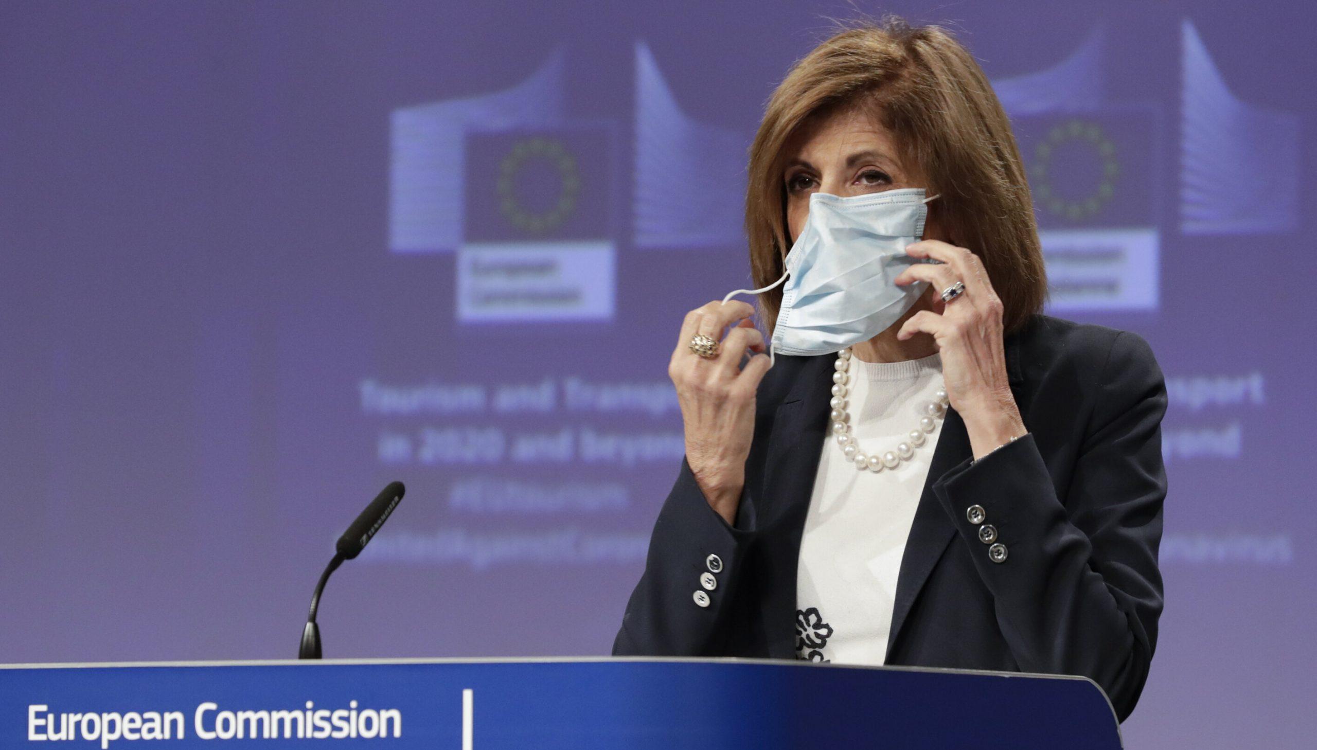 Europa cere țărilor membre să vaccineze 70% dintre adulți, până la vară