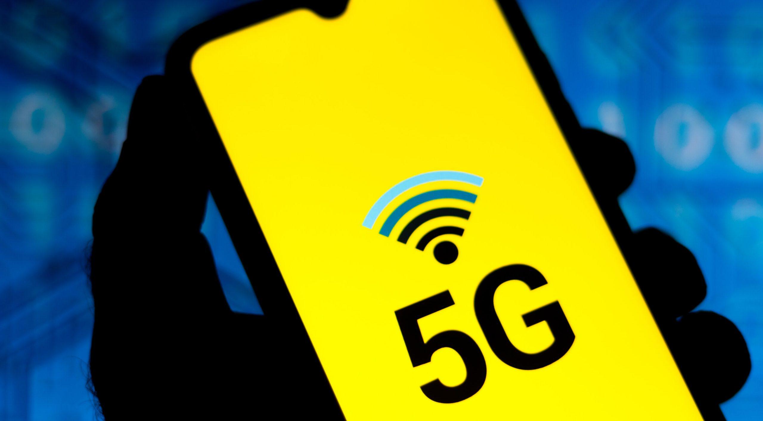 """Tehnologia 5G are consecințe grave asupra sănătății. """"9 din 10 telefoane depășesc pragurile de reglementare"""""""
