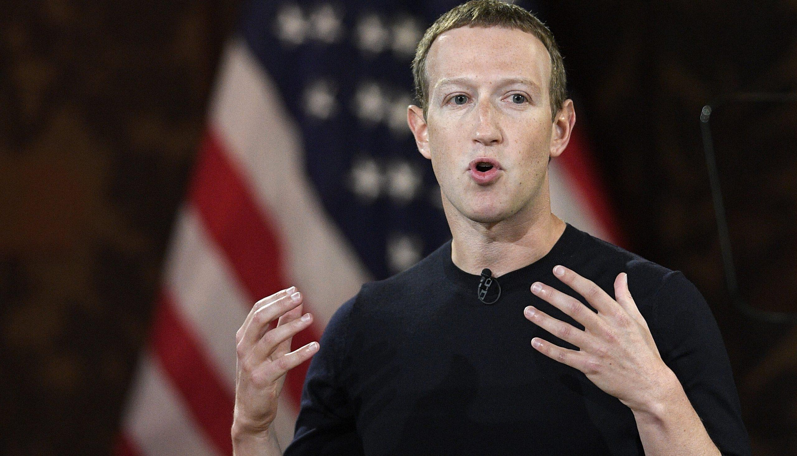 Mark Zuckerberg îi suspendă lui Trump contul de Facebook, pe termen nedeterminat