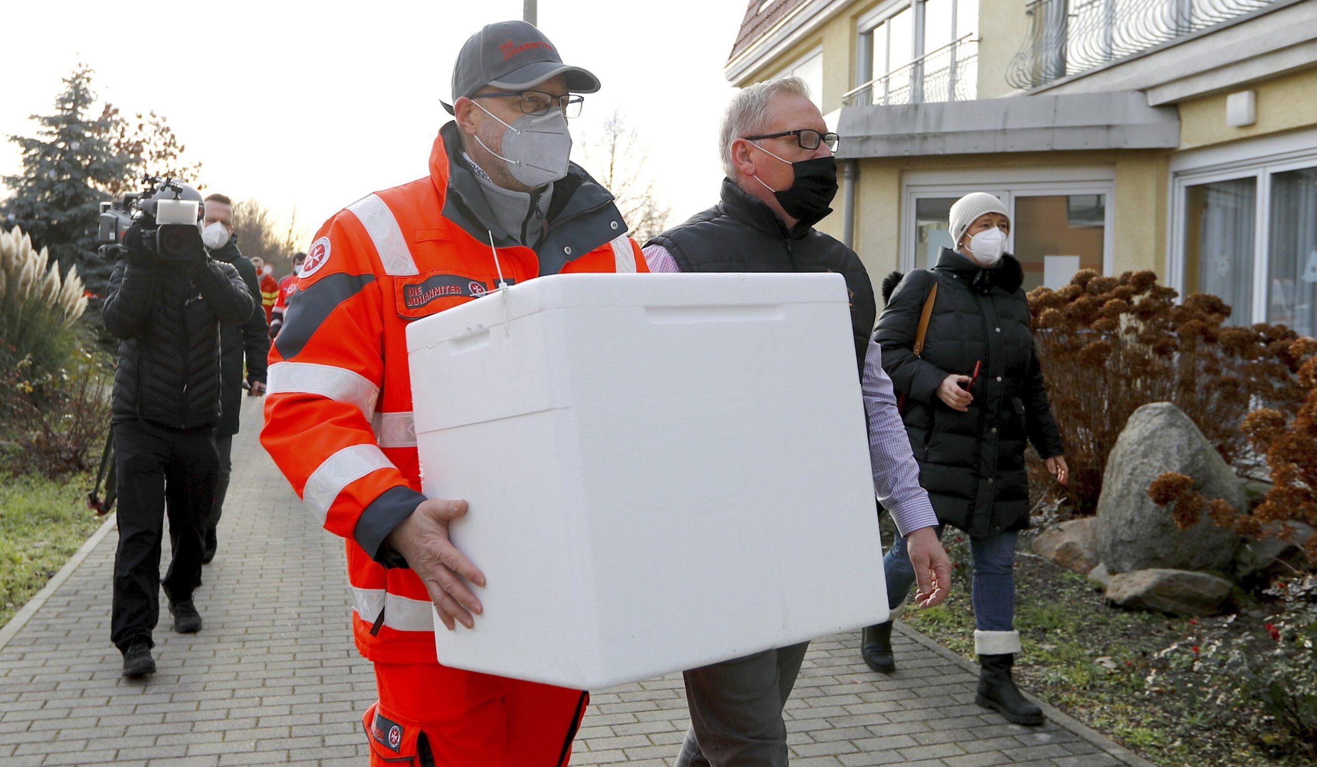 Germania încalcă strategia de vaccinare a UE și cumpără încă 30 de milioane de doze de vaccin