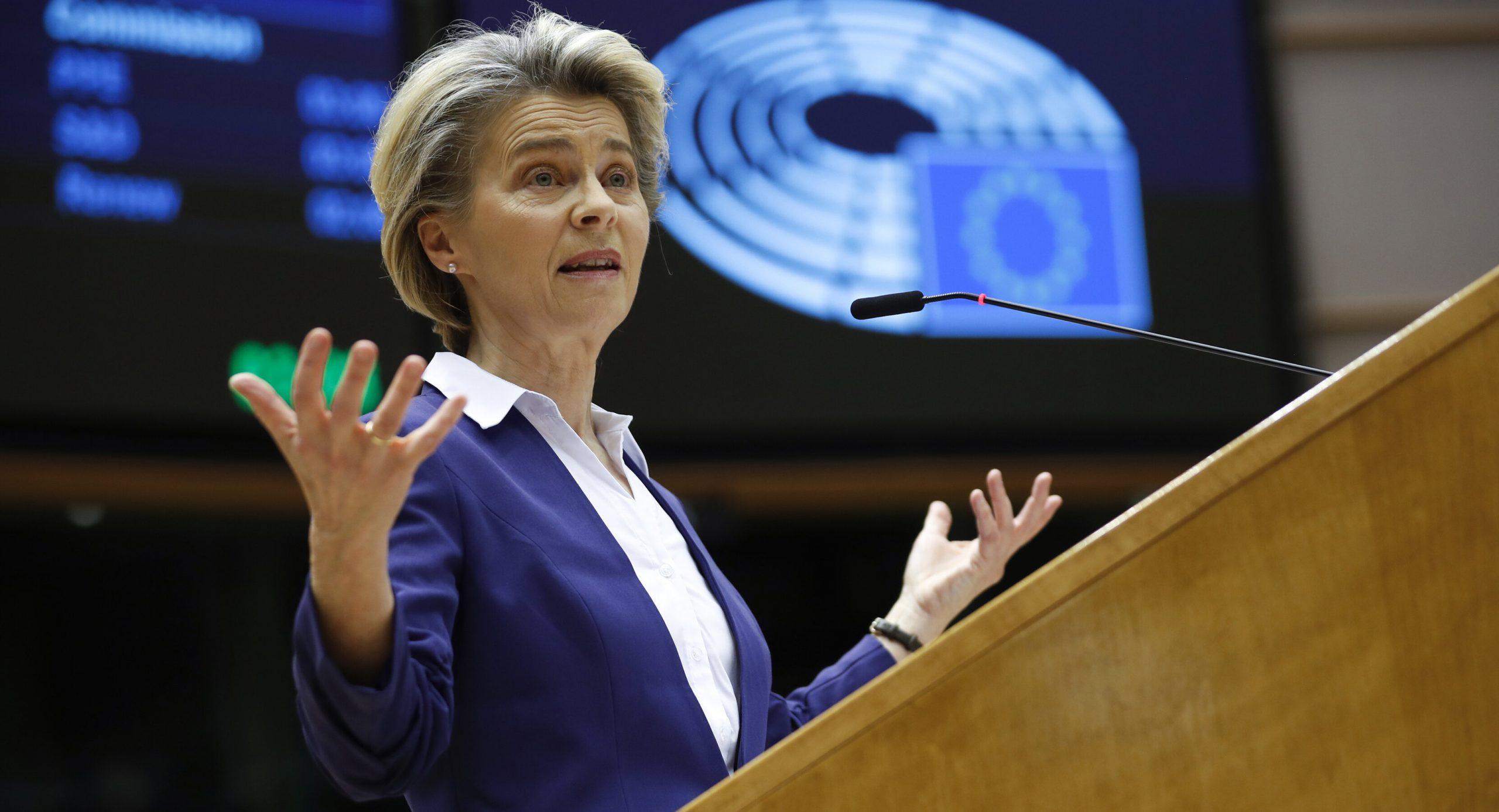 """Europa nu impune încă un pașaport de vaccinare, dar solicită """"descurajarea"""" călătoriilor neesențiale"""