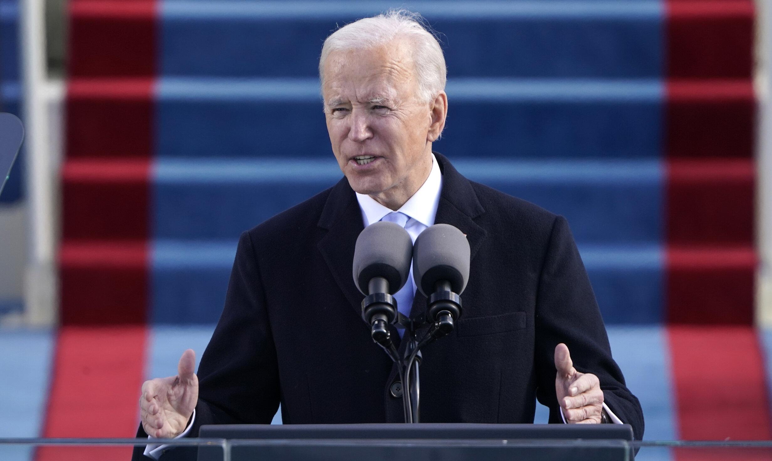 """Joe Biden a depus jurământul și devine al 46-lea președinte American. """"Vom fi un exemplu pentru întreaga lume"""""""