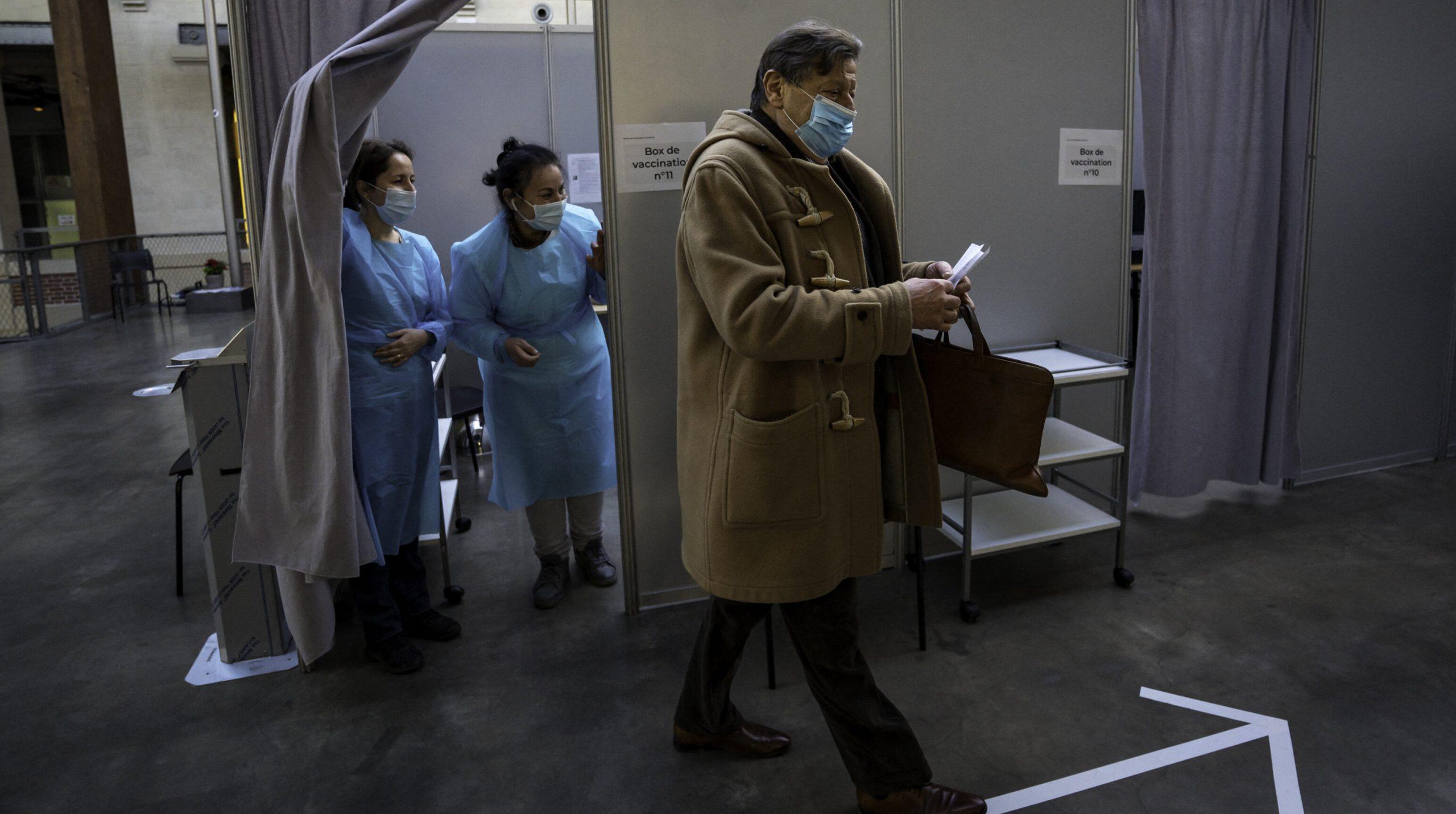 Franța refuză să extindă intervalul dintre cele două doze ale vaccinului anti-Covid la șase săptămâni