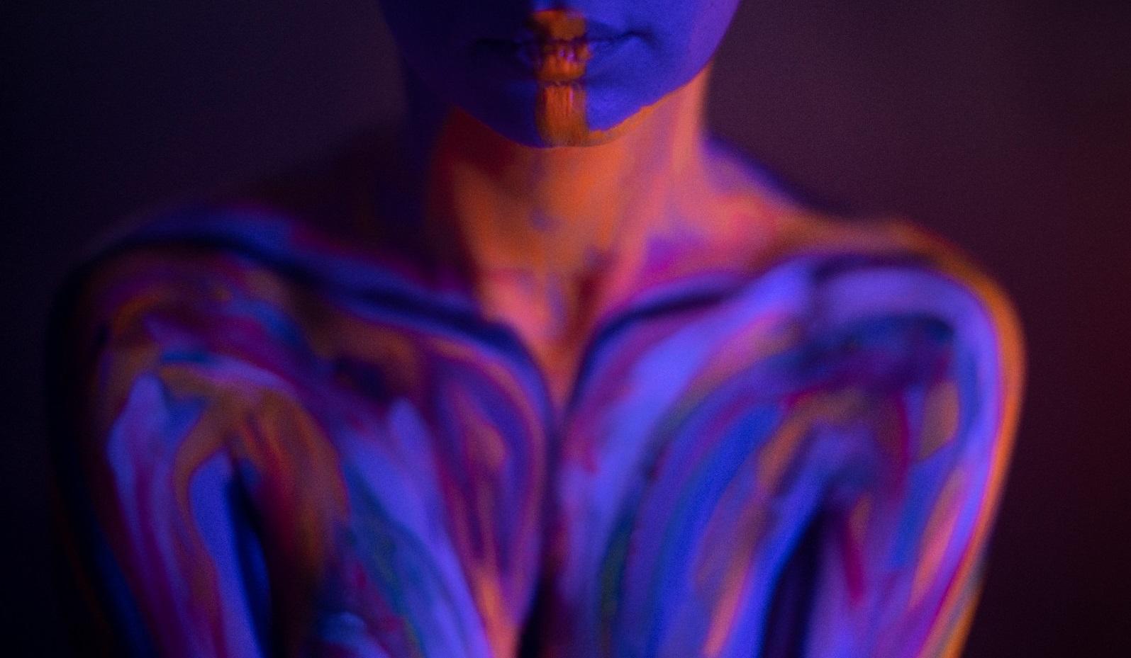 MECENA.ART te așteaptă până pe 15 martie. Faci cunoștință cu arta senzorială, cu nuduri și portrete, cu muzica și natura, dar și cu emoții noi și puternice