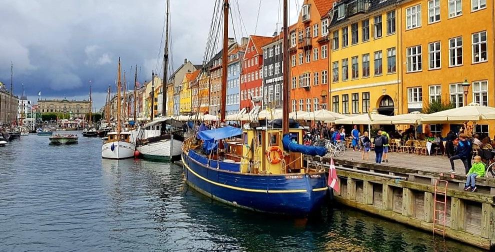 """Danezii prevăd un nou val al epidemiei, provocat de varianta britanică. """"Este calmul dinaintea furtunii"""""""
