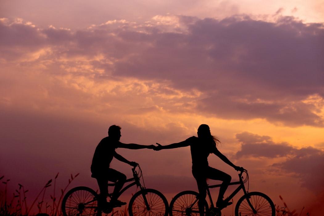 """Care este explicația științifică a expresiei """"dragostea trece prin stomac"""". În general, suntem atrași de persoane pe care creierul nostru le consideră familiare"""