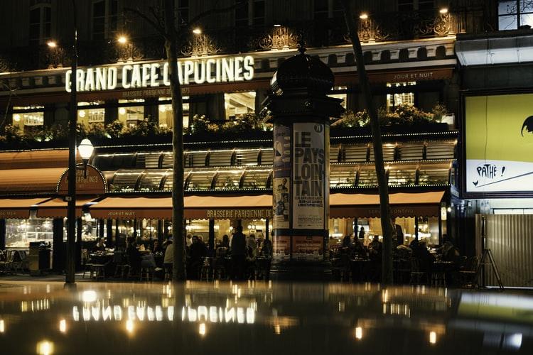 Francezii oferă donații restaurantelor preferate pentru a le ajuta să depășească criza Covid