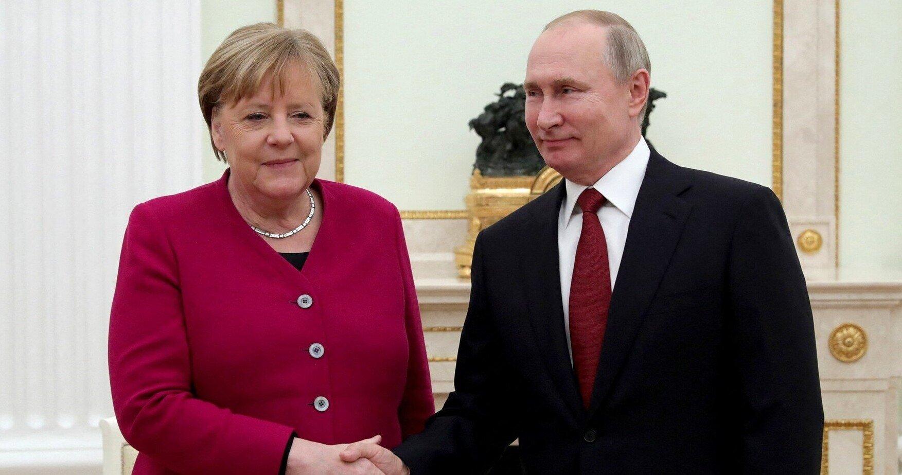 """Merkel este în favoarea utilizării vaccinului rusesc. """"Am vorbit cu președintele Putin despre asta"""""""