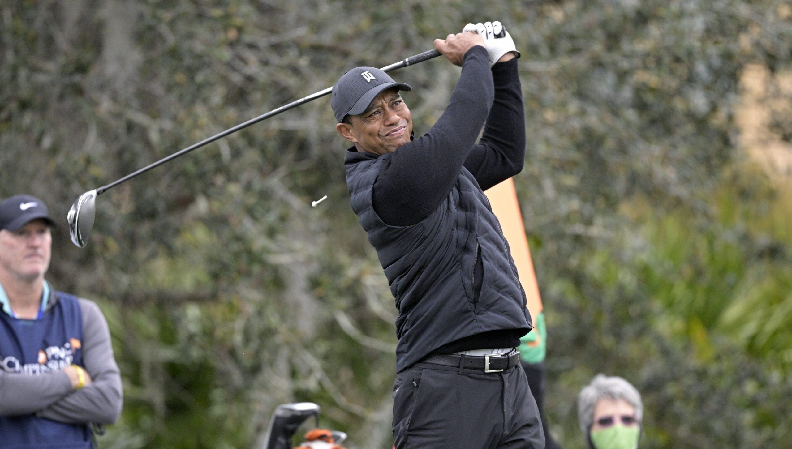 Tiger Woods, rănit într-un grav accident rutier. A fost nevoie de intervenția echipelor de descarcerare