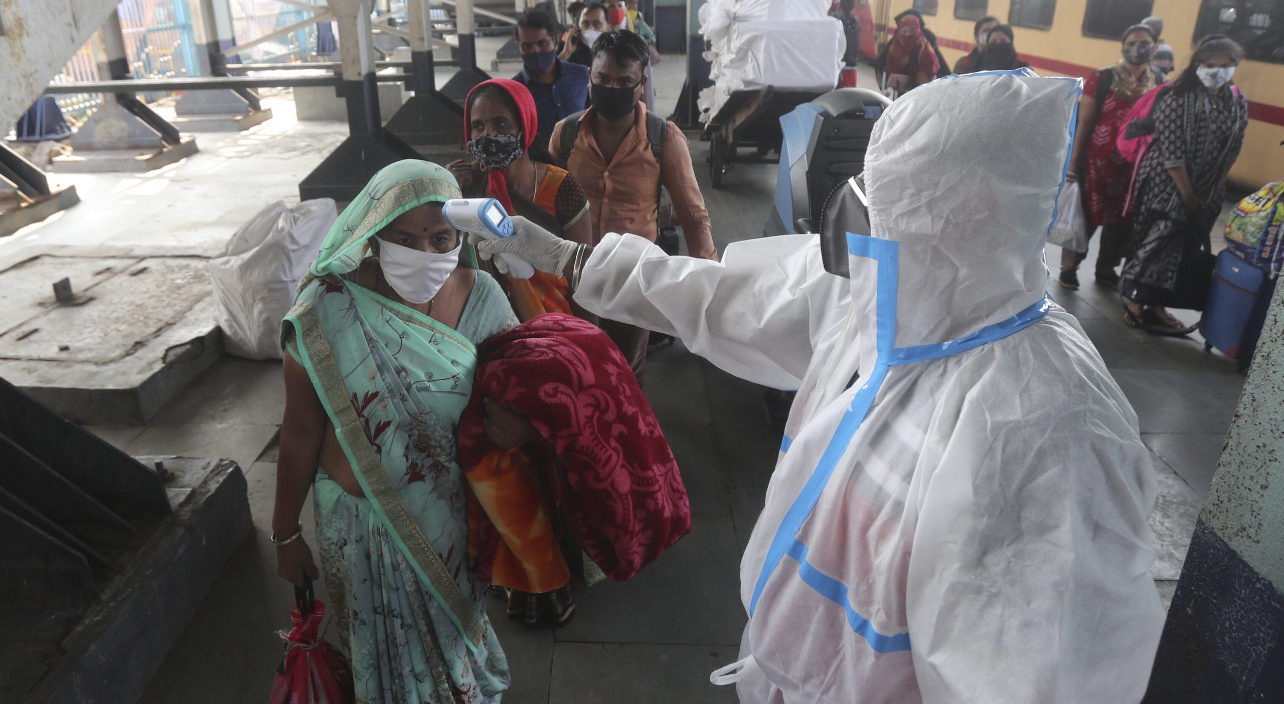În India au fost descoperite 240 de variante noi ale SARS-Cov-2. Numărul infectărilor a crescut cu 31% față de săptămâna precedentă
