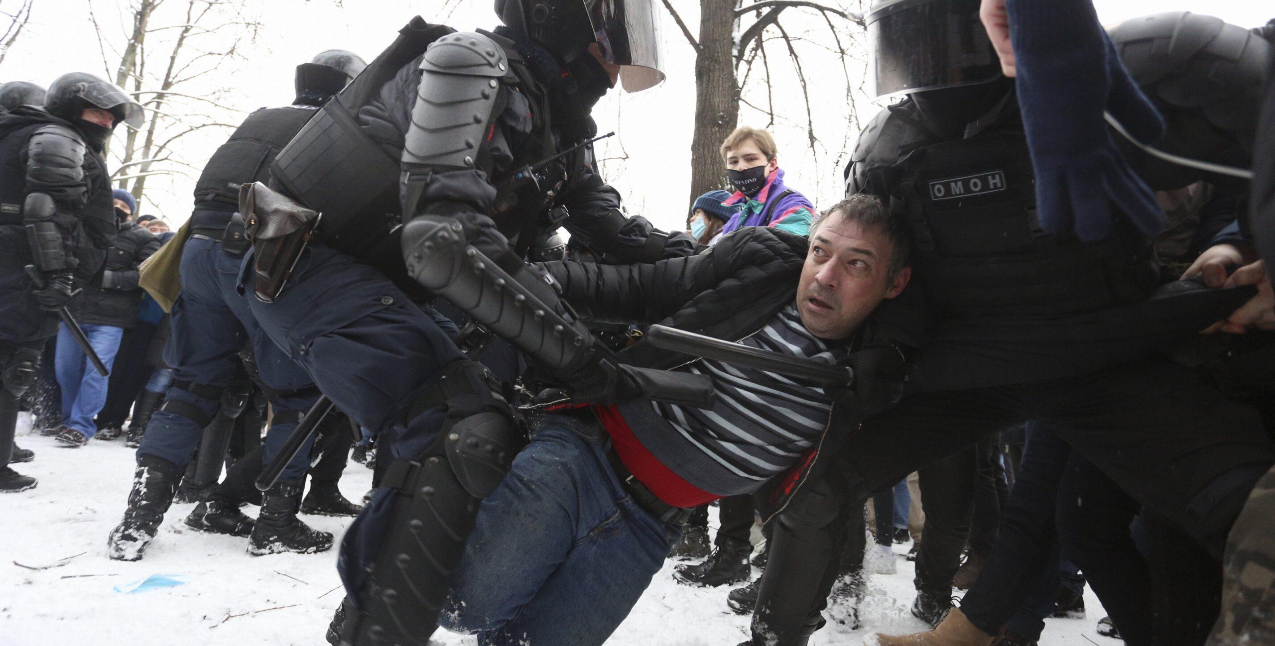 Rusia  5.300 de manifestanți arestați în timpul protestelor pro-Navalnîi de ieri