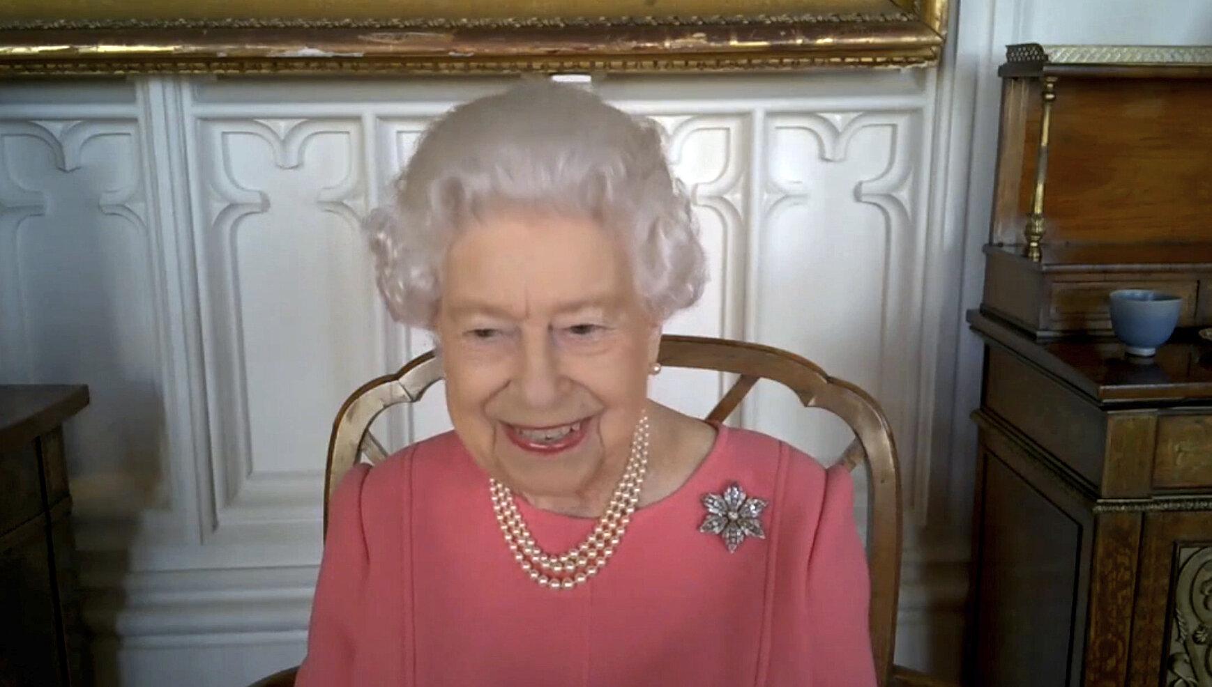 VIDEO| Regina Elisabeta a II-a îi încurajează pe britanici să se vaccineze împotriva Covid