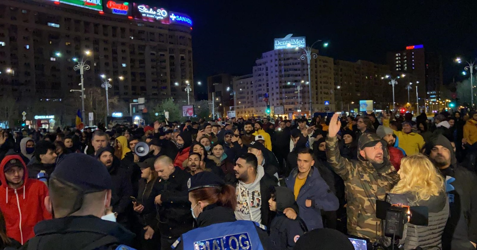 LIVE  Proteste anti-restricții în mai multe orașe din țară. Manifestanții din București se îndreaptă spre Guvern