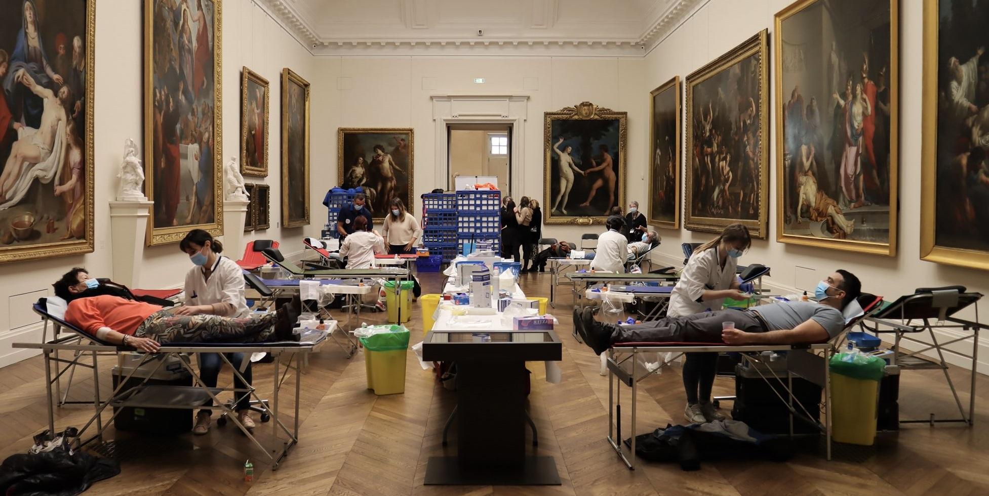 Muzeu redeschis în Franța. Au acces doar donatorii de sânge