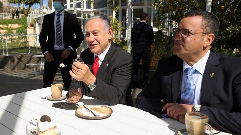 Israel iese din izolare  Ești vaccinat, ai acces în interiorul restaurantelor. Nu ești, stai pe terasă