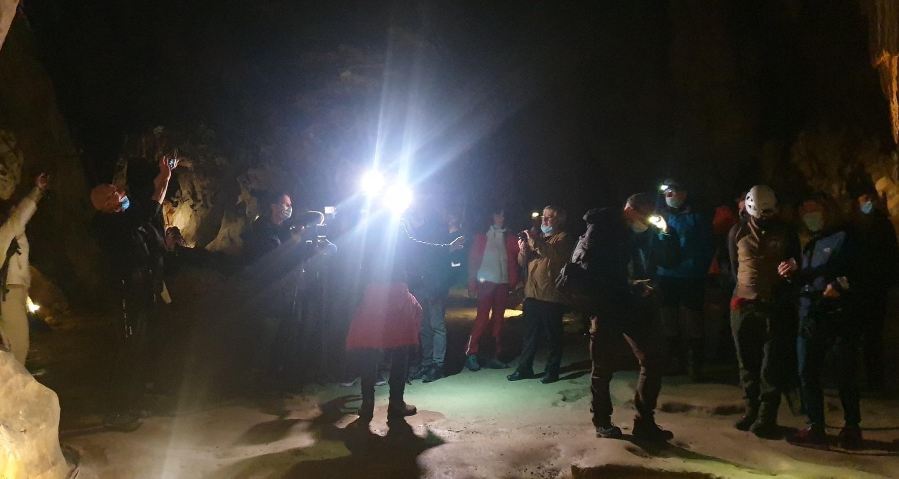 Izolați 40 de zile într-o peșteră. 15 voluntari vor să analizeze efectele carantinei Covid