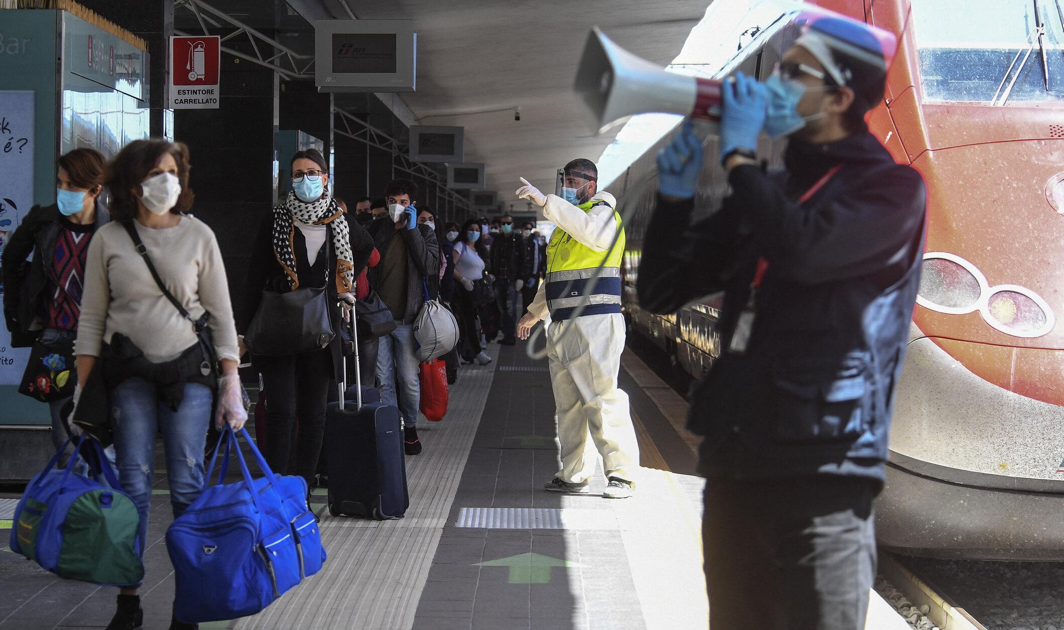 """Italia lansează trenuri """"Covid Free"""" pentru a sprijini turismul. Toți pasagerii vor fi testați înainte de îmbarcare"""