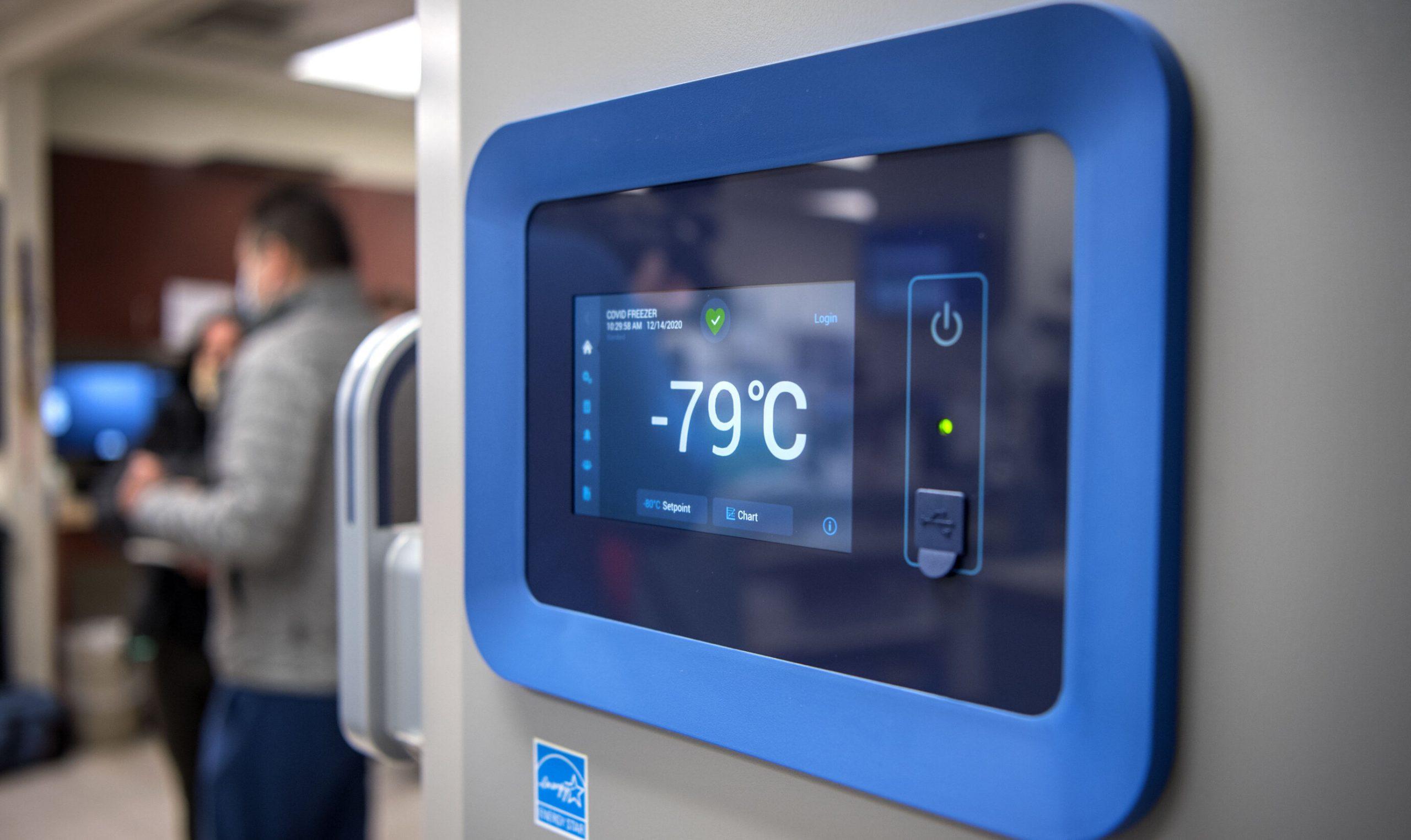 """Agenția Europeană a Medicamentului autorizează depozitarea dozelor Pfizer """"la temperaturi normale"""""""