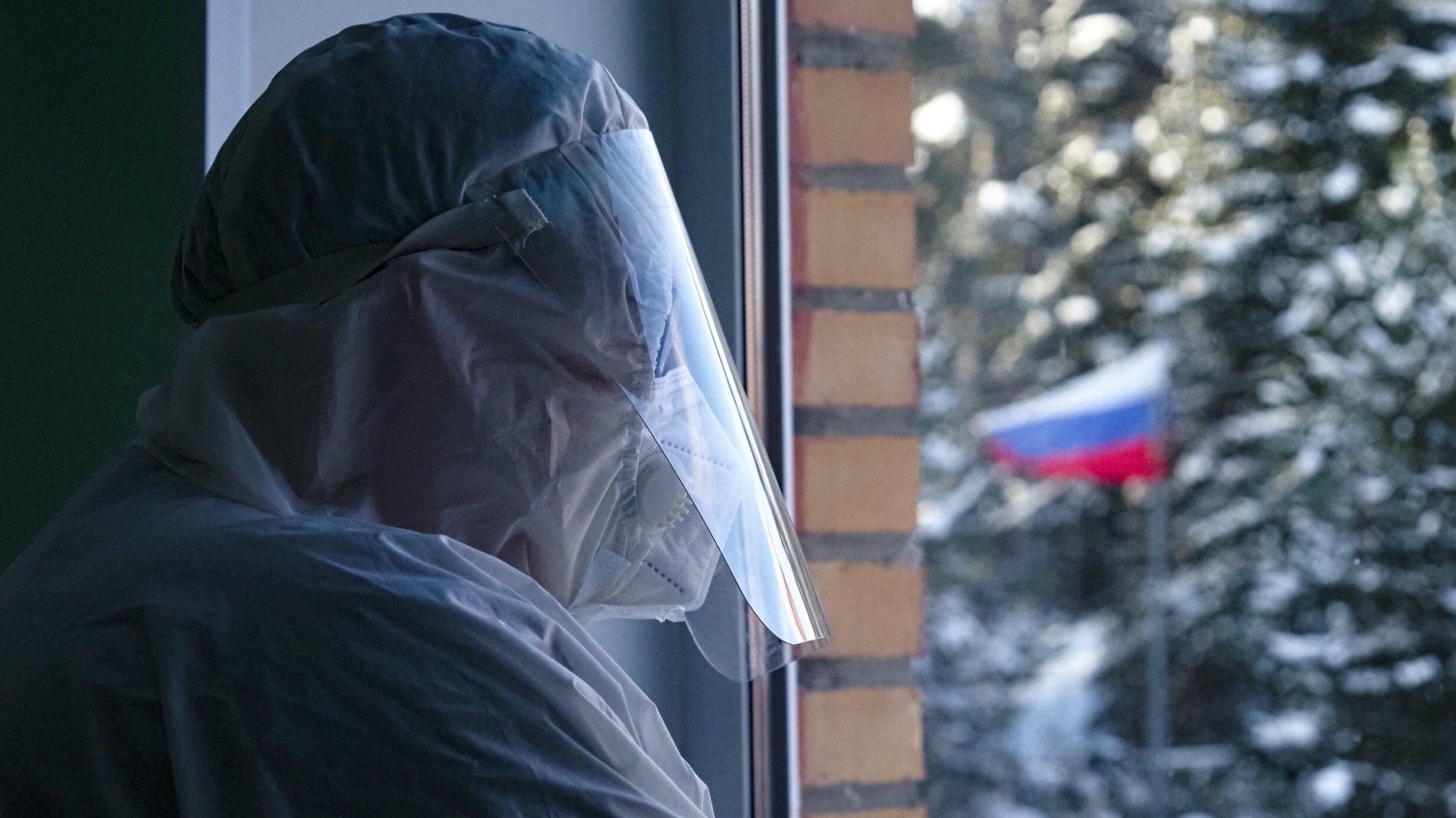 Două treimi dintre ruși refuză vaccinul Sputnik V și consideră că SARS-Cov-2 este o armă biologică