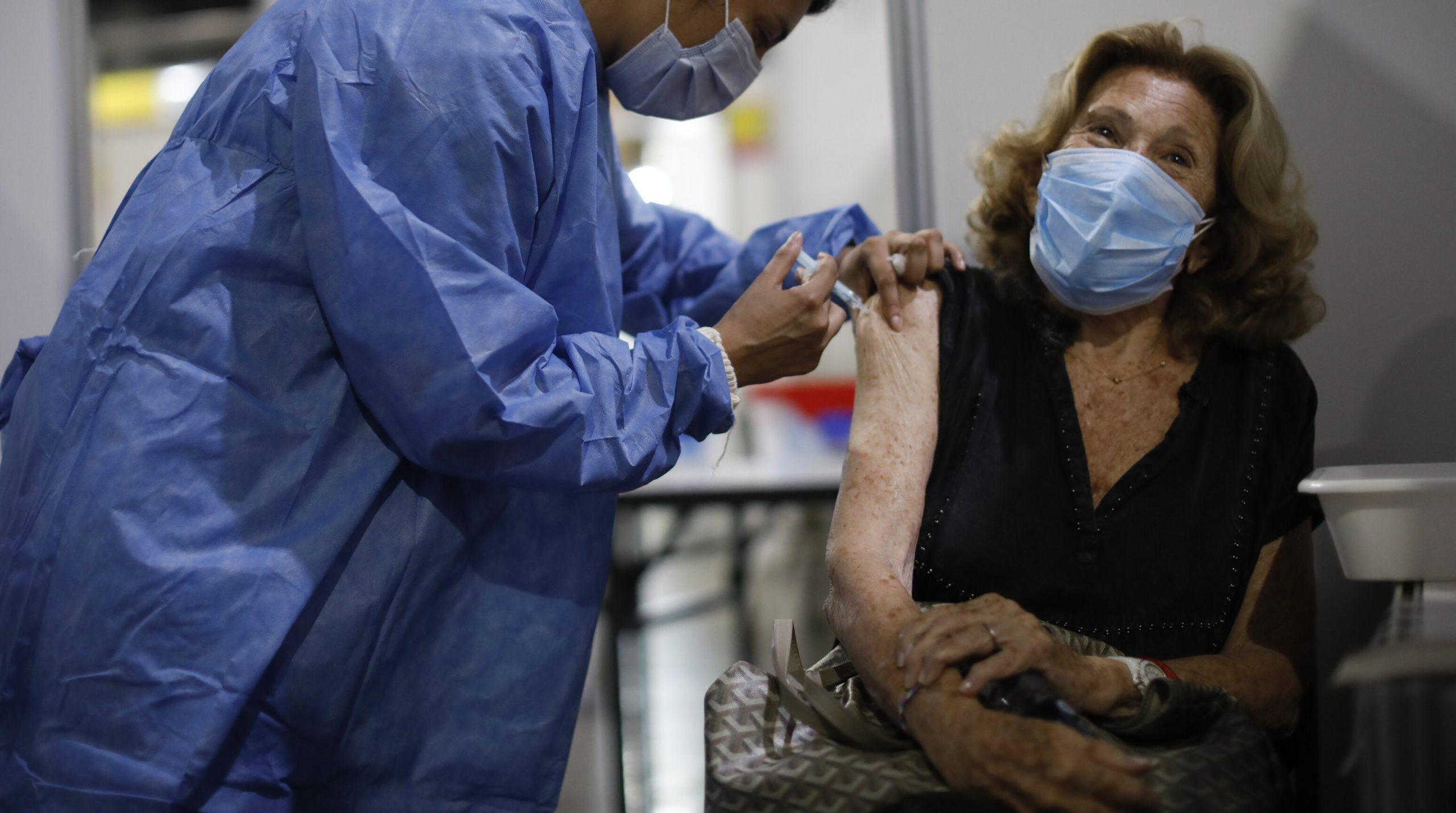 Vaccinul AstraZeneca este eficient și împotriva variantei braziliene, potrivit cercetărilor efectuate de Universitatea Oxford
