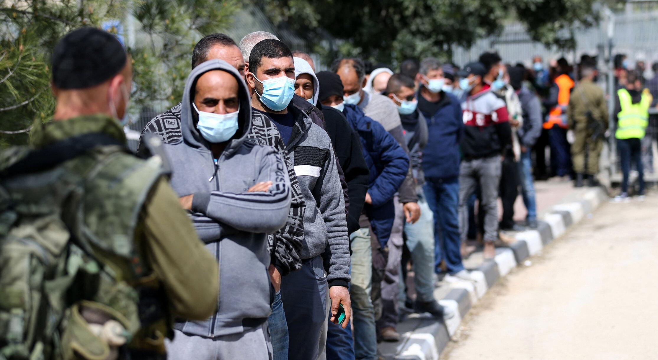 """Israel  Sute de infectări raportate în prima săptămână după vaccinare. Permisul verde ar trebui """"acordat cu o săptămână mai târziu"""""""