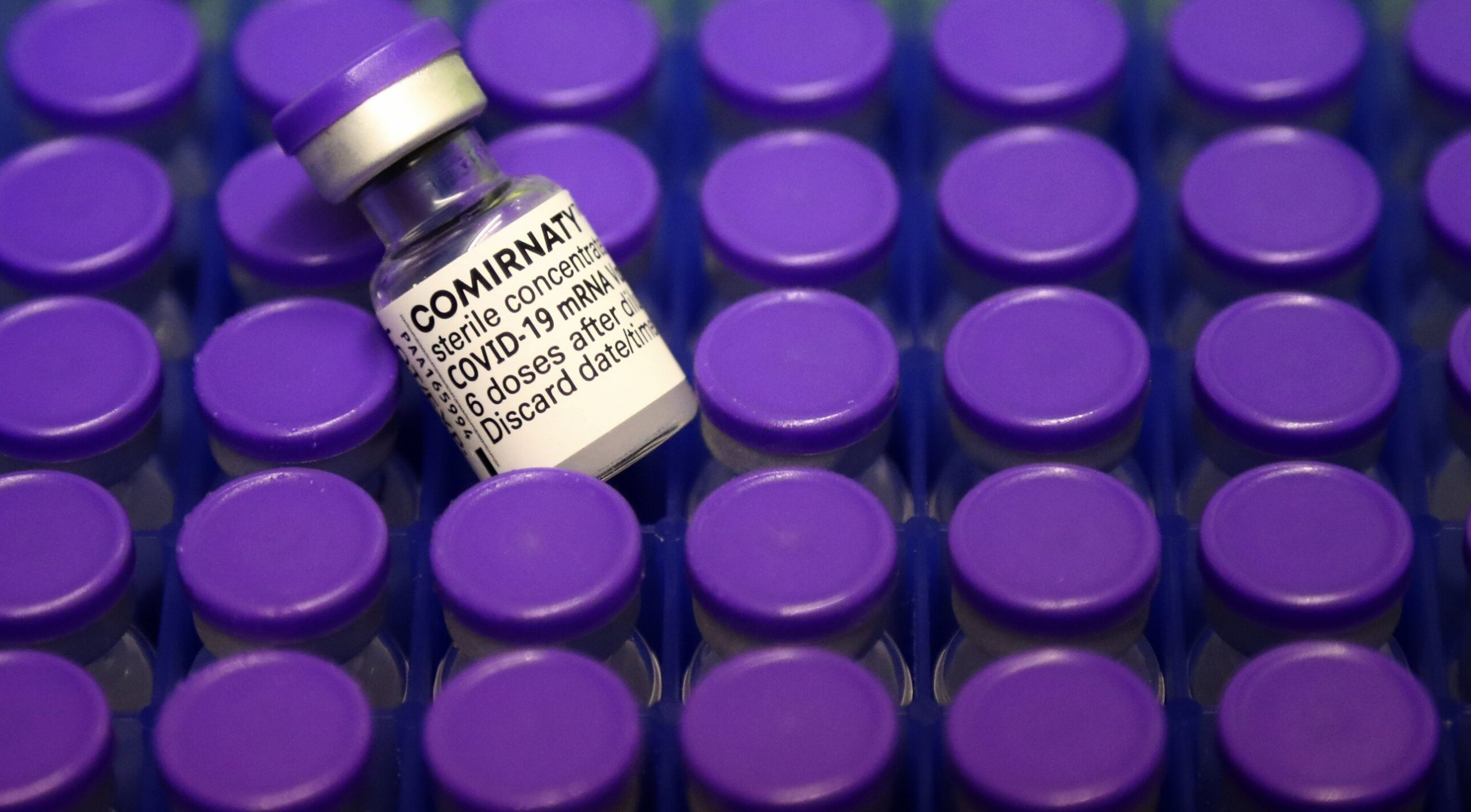 Vaccinul anti-Covid produs de Pfizer are 100% eficiență la copiii între 12 și 15 ani, anunță compania