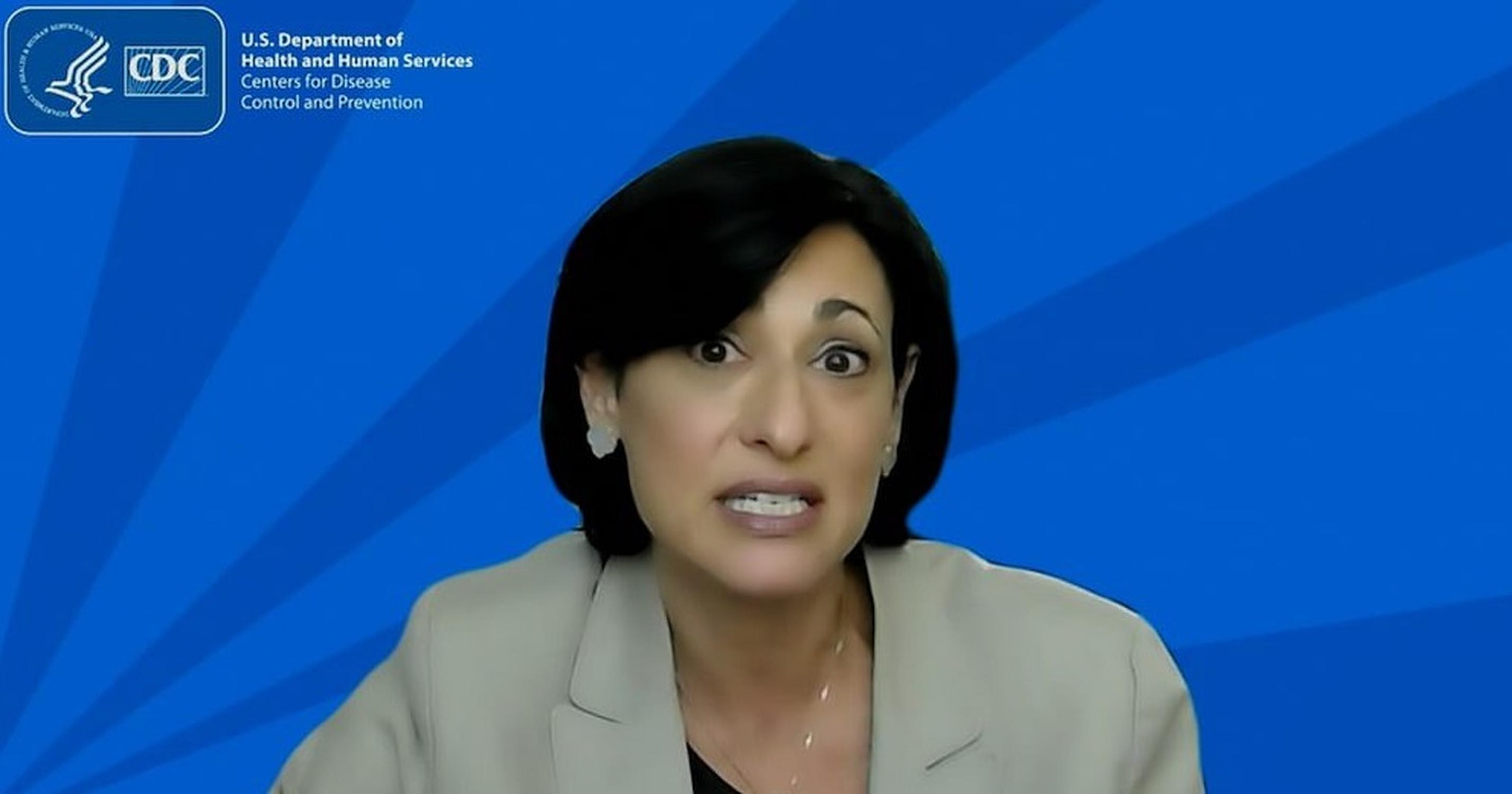 CDC respinge afirmația propriului director, care a susținut că persoanele vaccinate nu pot transmite coronavirusul