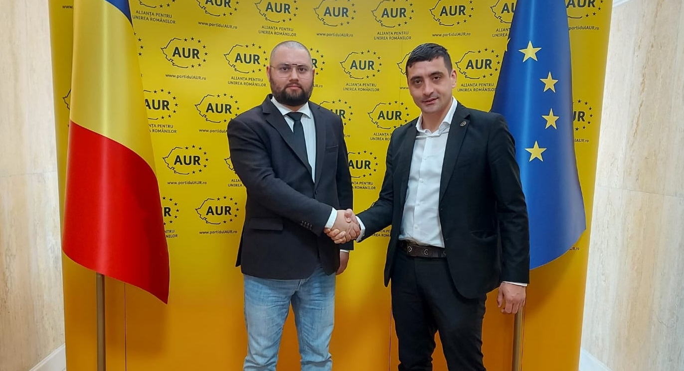 Au dat USR-ul pe AUR. Doi membri fondatori ai Uniunii Salvați România au migrat spre partidul lui George Simion