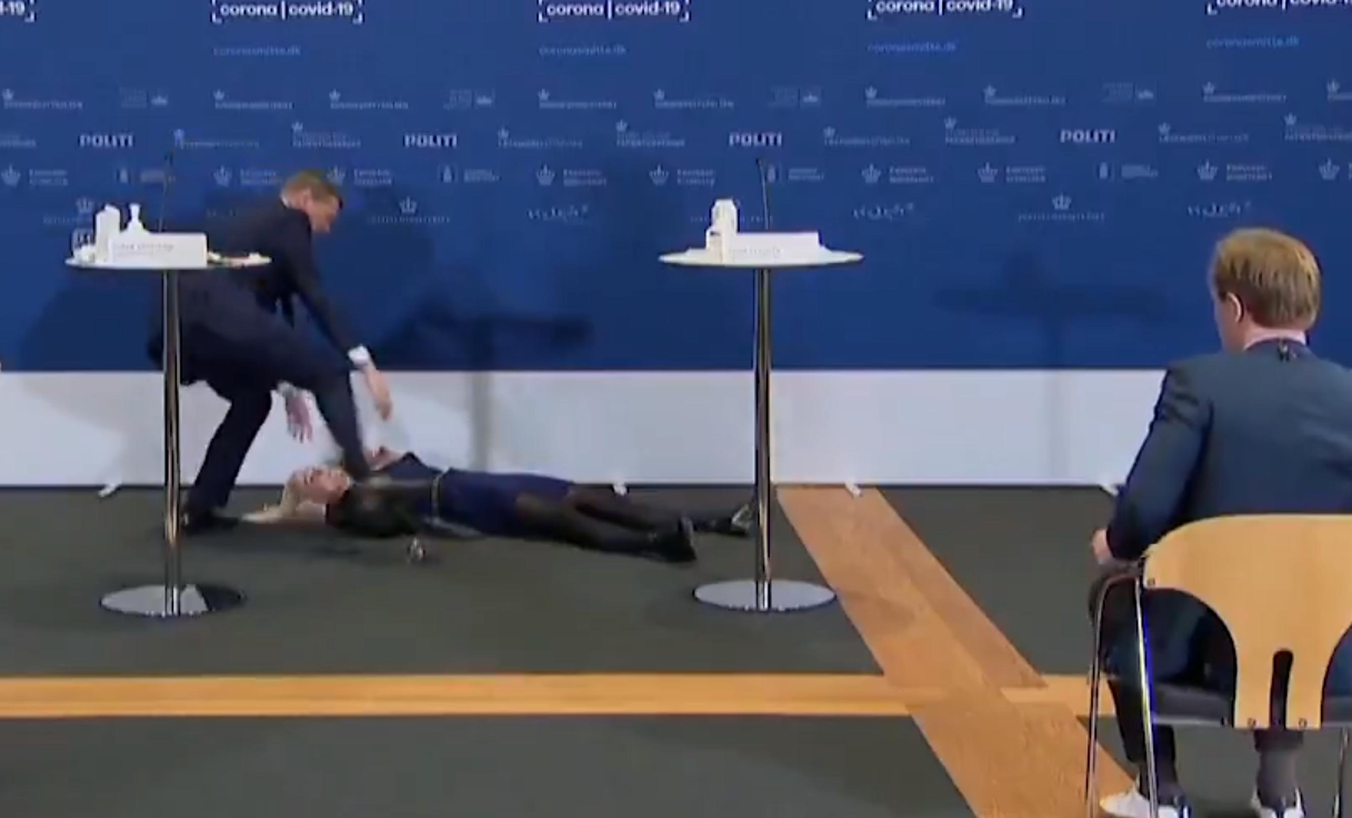 Danemarca  Șefa agenției de reglementare a medicamentelor a leșinat în timp ce anunța retragerea vaccinului AstraZeneca. VIDEO
