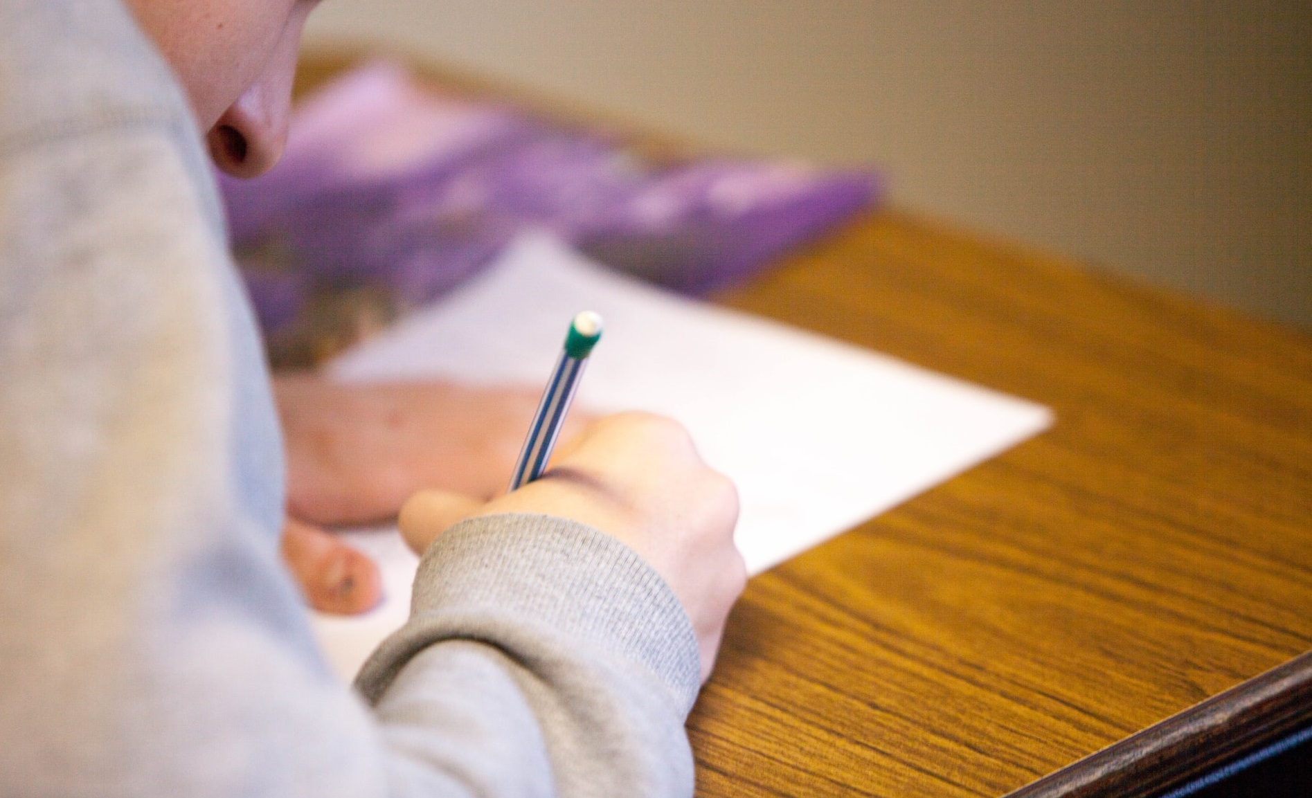Trei elevi elvețieni au prezentat teste Covid fals-pozitive, pentru a scăpa de cursuri. Colegii și profesorii au stat în carantină degeaba