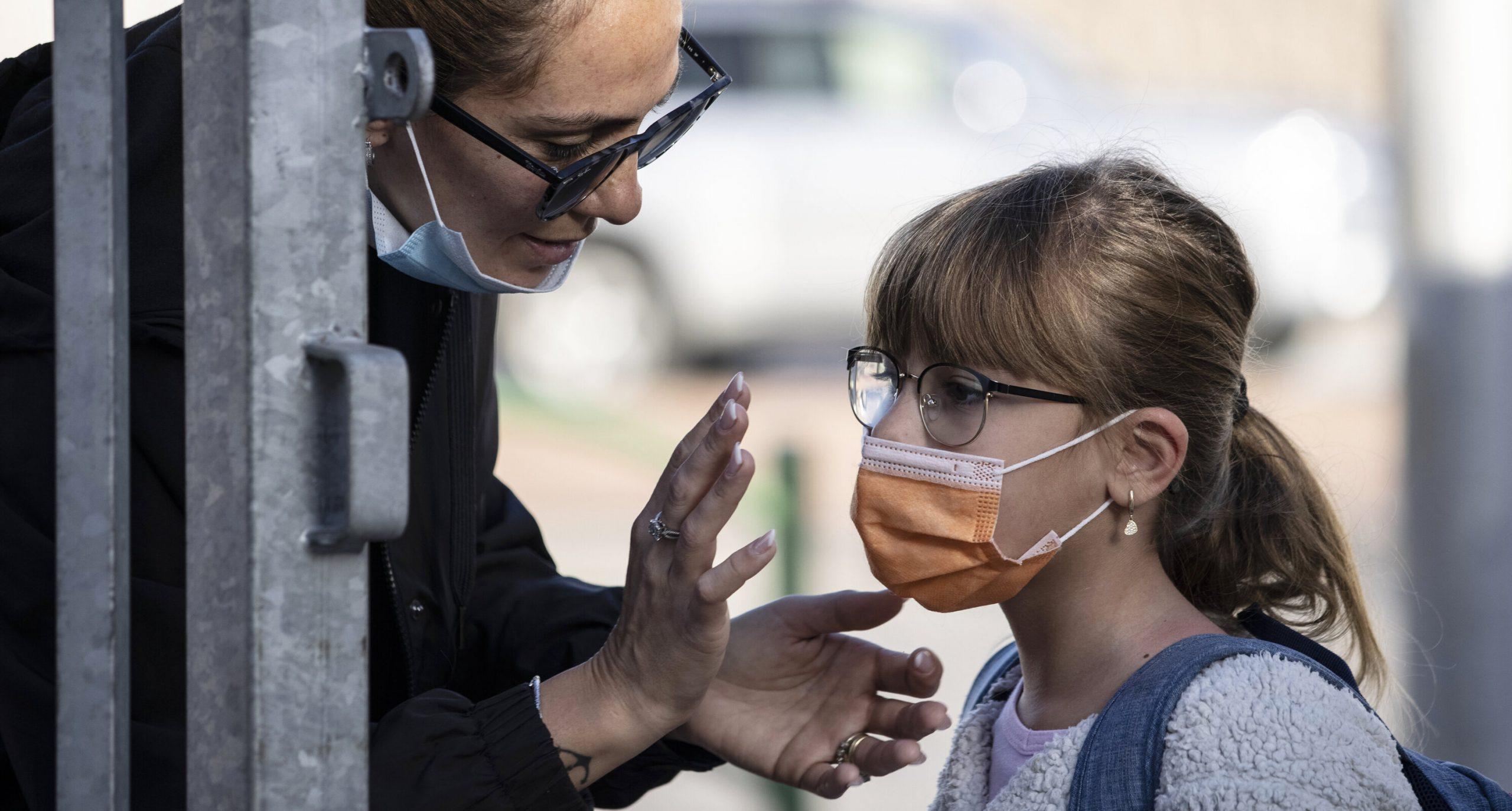 Covid-19  Copiii sunt protejați prin simplul fapt că adulții din jurul lor sunt vaccinați, arată un studiu israelian. Speranțe pentru realizarea imunității de turmă