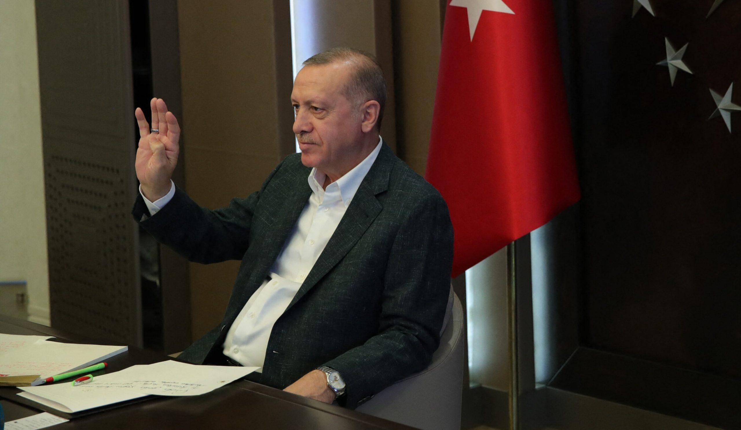 Turcia instituie carantină totală pe întregul teritoriu. Doar deplasările esențiale vor fi permise