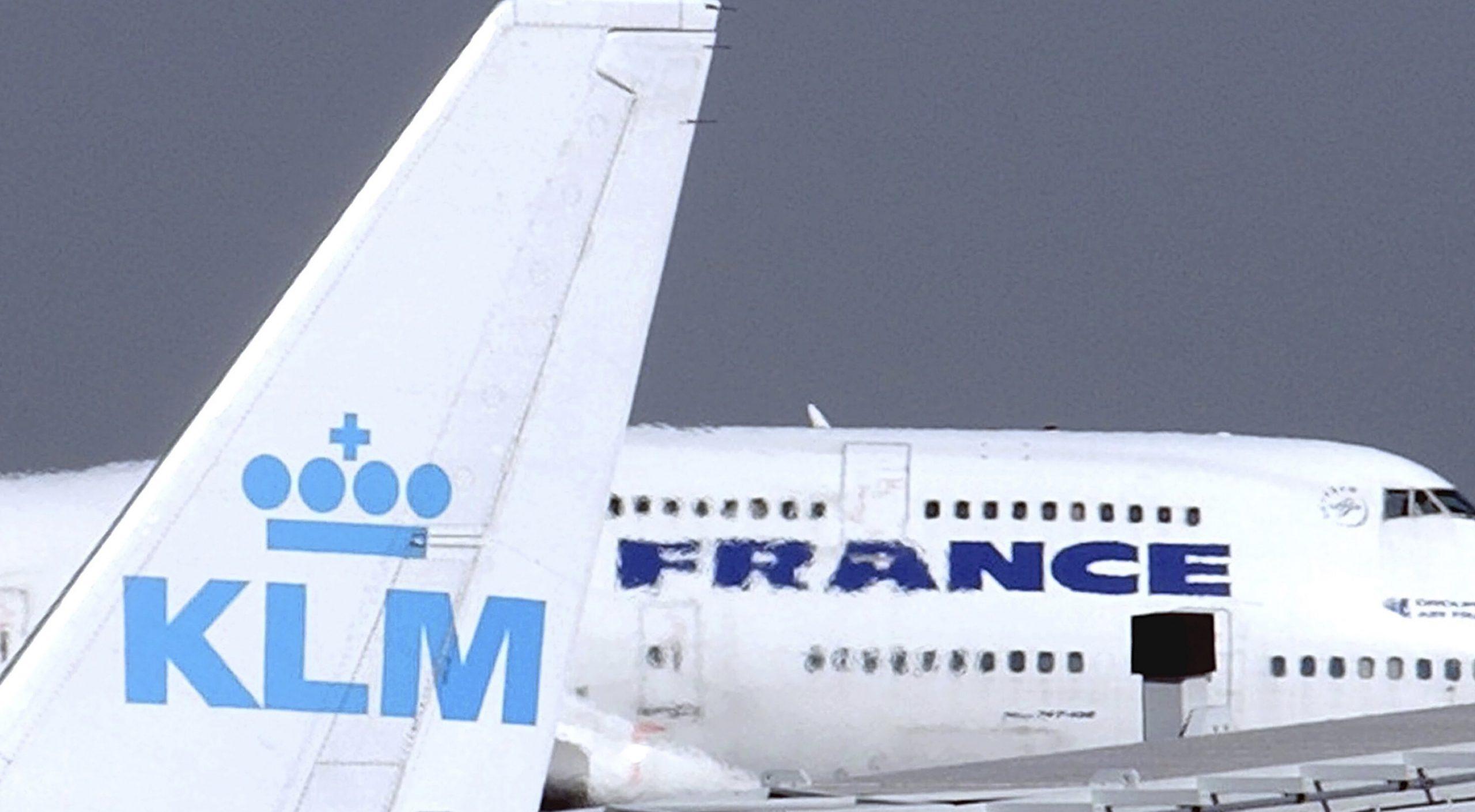 Guvernul francez, care a criticat ajutorul primit de TAROM de la statul român, oferă 4,7 miliarde de euro companiei Air France