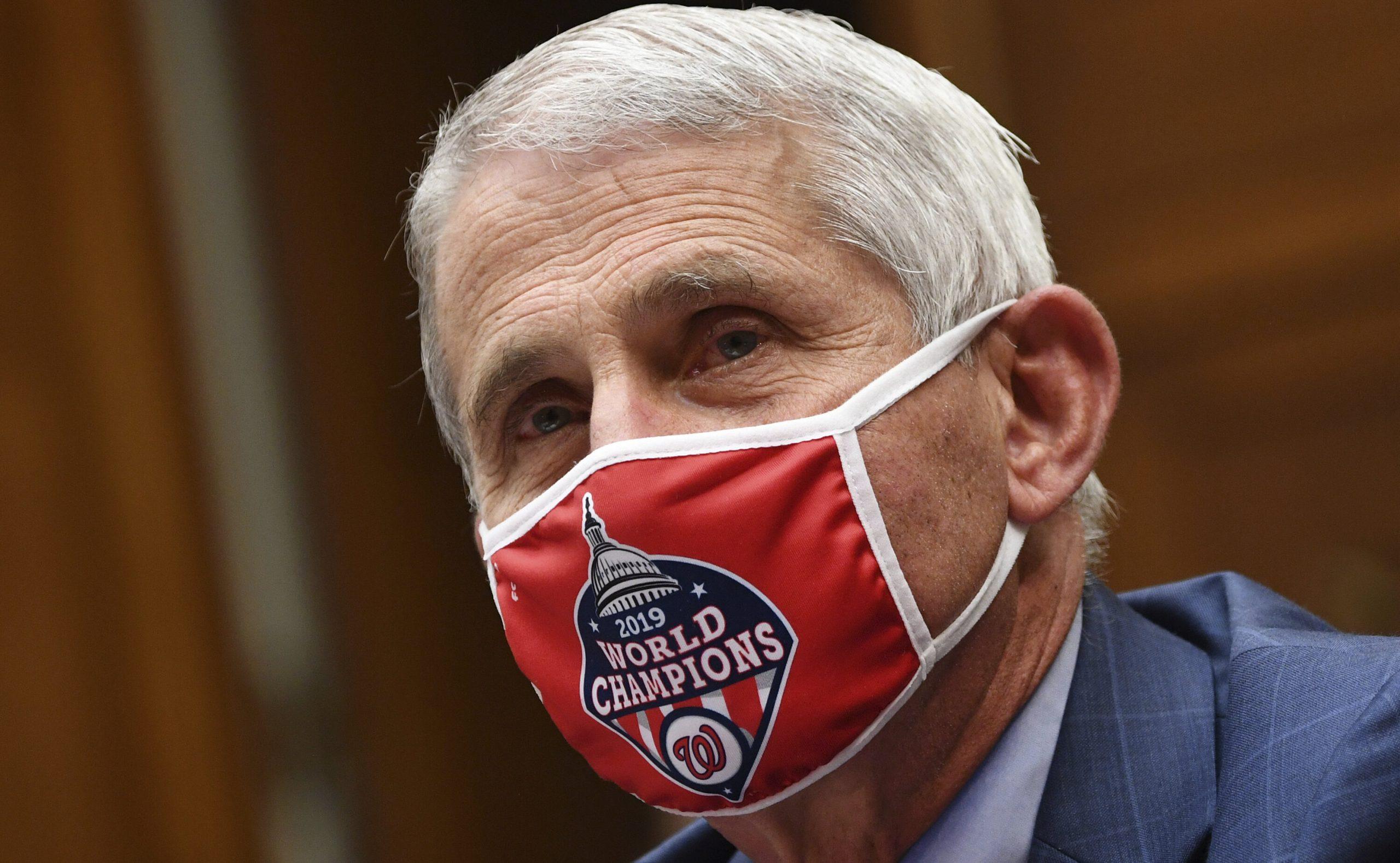 Texas| Scade numărul de cazuri Covid, deși masca nu mai este obligatorie. Fauci nu-și poate explica situația