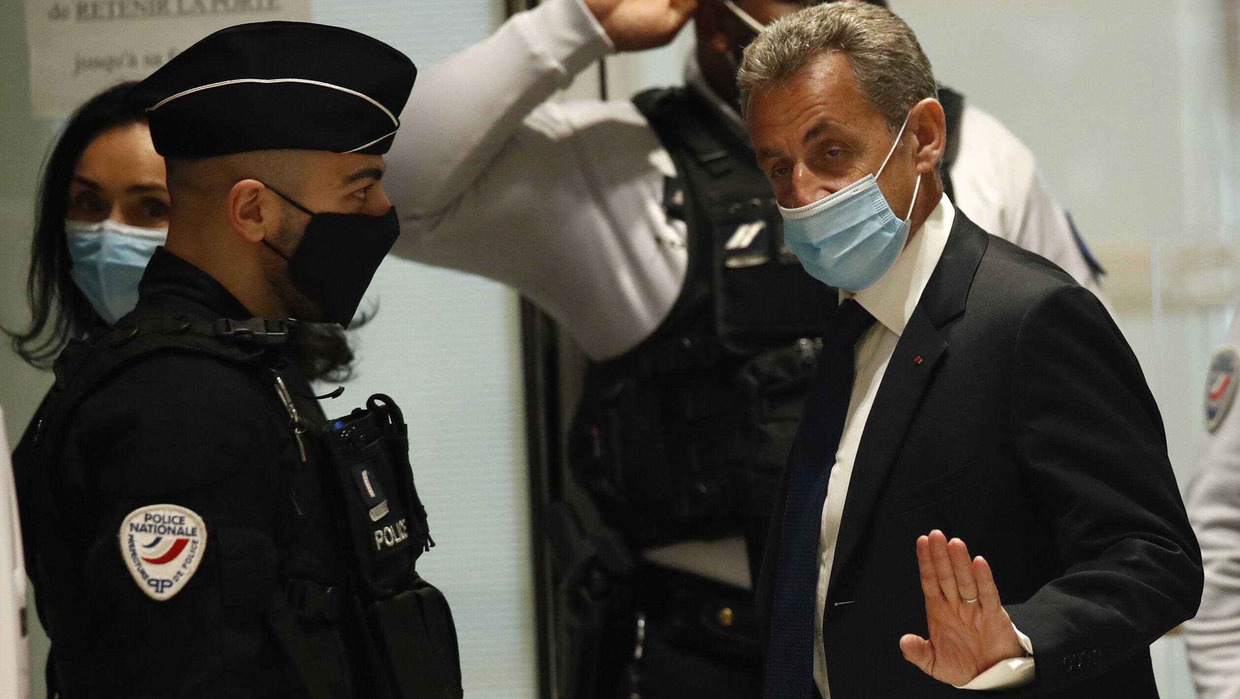 """Nicolas Sarkozy a denunțat o petrecere ilegală, """"exasperat"""" de zgomotul făcut de vecini în toiul nopții, scrie presa din Franța"""