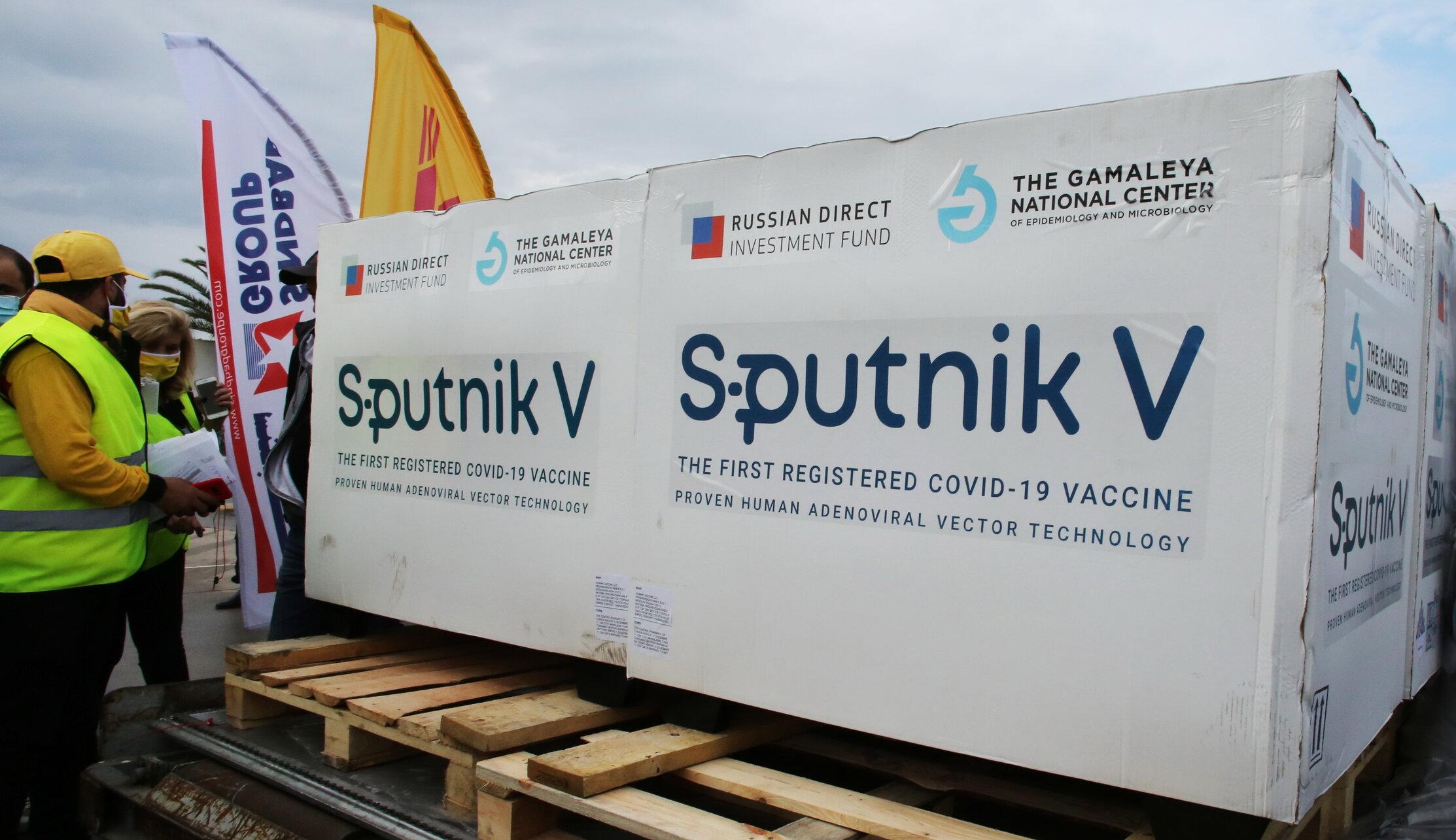 Rusia își vrea vaccinul înapoi. Slovacia trebuie să returneze 200.000 de doze Sputnik V, după ce a contestat calitatea lor