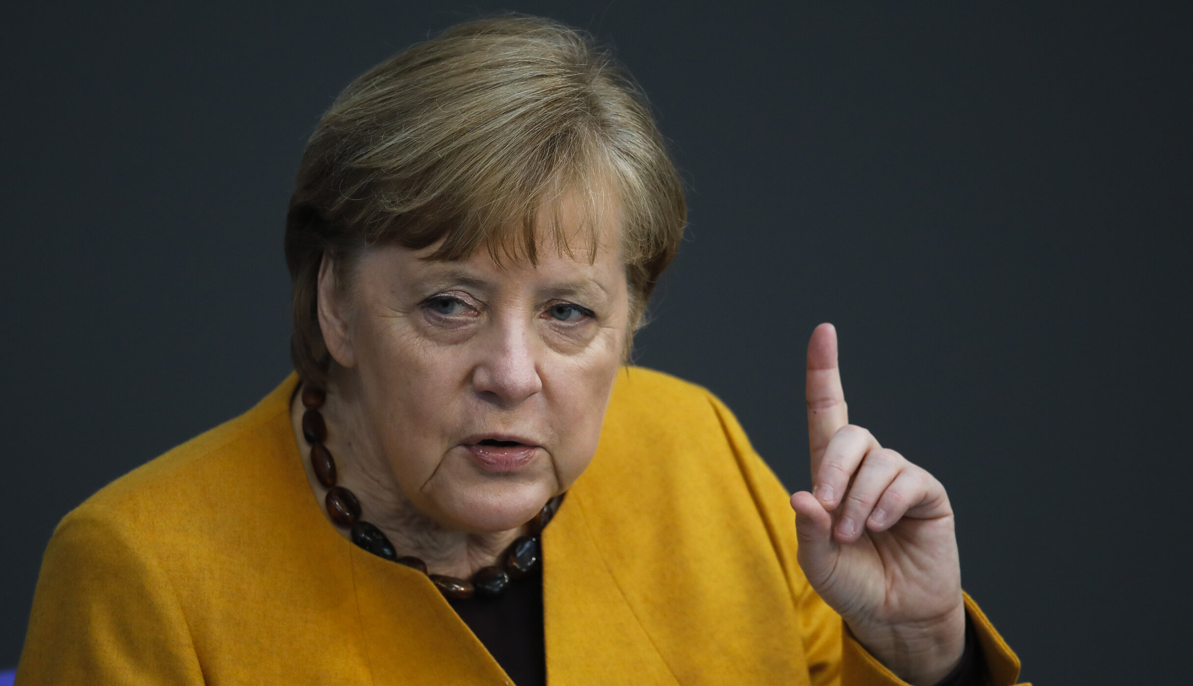 """Angela Merkel se răzgândeşte. Germanii vaccinați vor avea, """"cu siguranță"""", mai multă libertate decât cei care nu acceptă serul anti-Covid"""