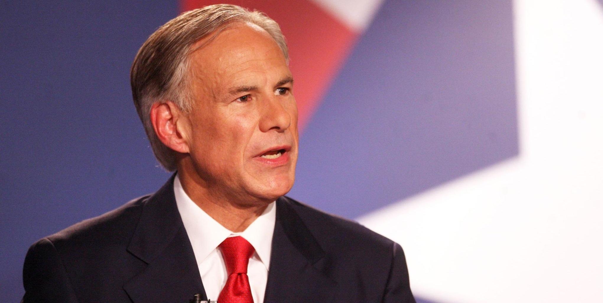 Guvernatorul din Texas interzice autorităților publice să impună purtarea obligatorie a măștii