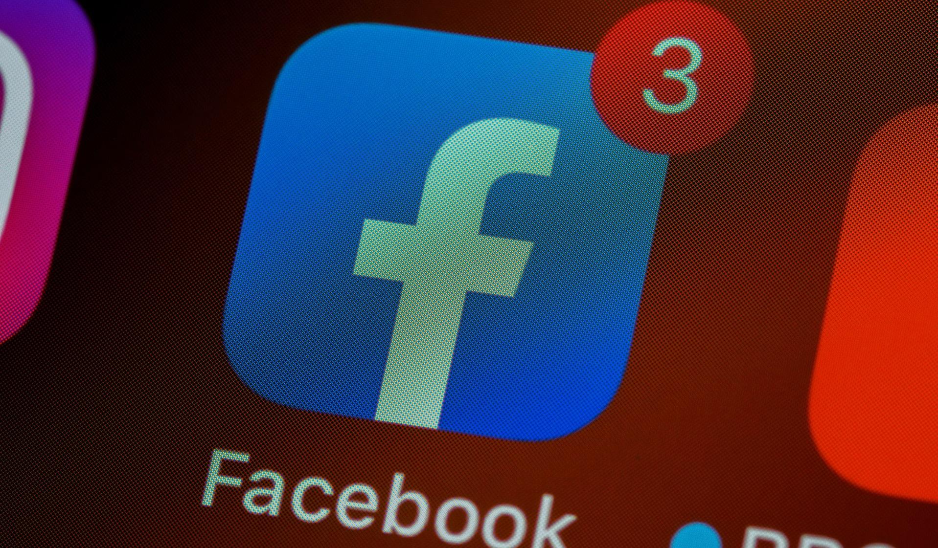 Angajații Facebook foloseau datele utilizatorilor în interes propriu