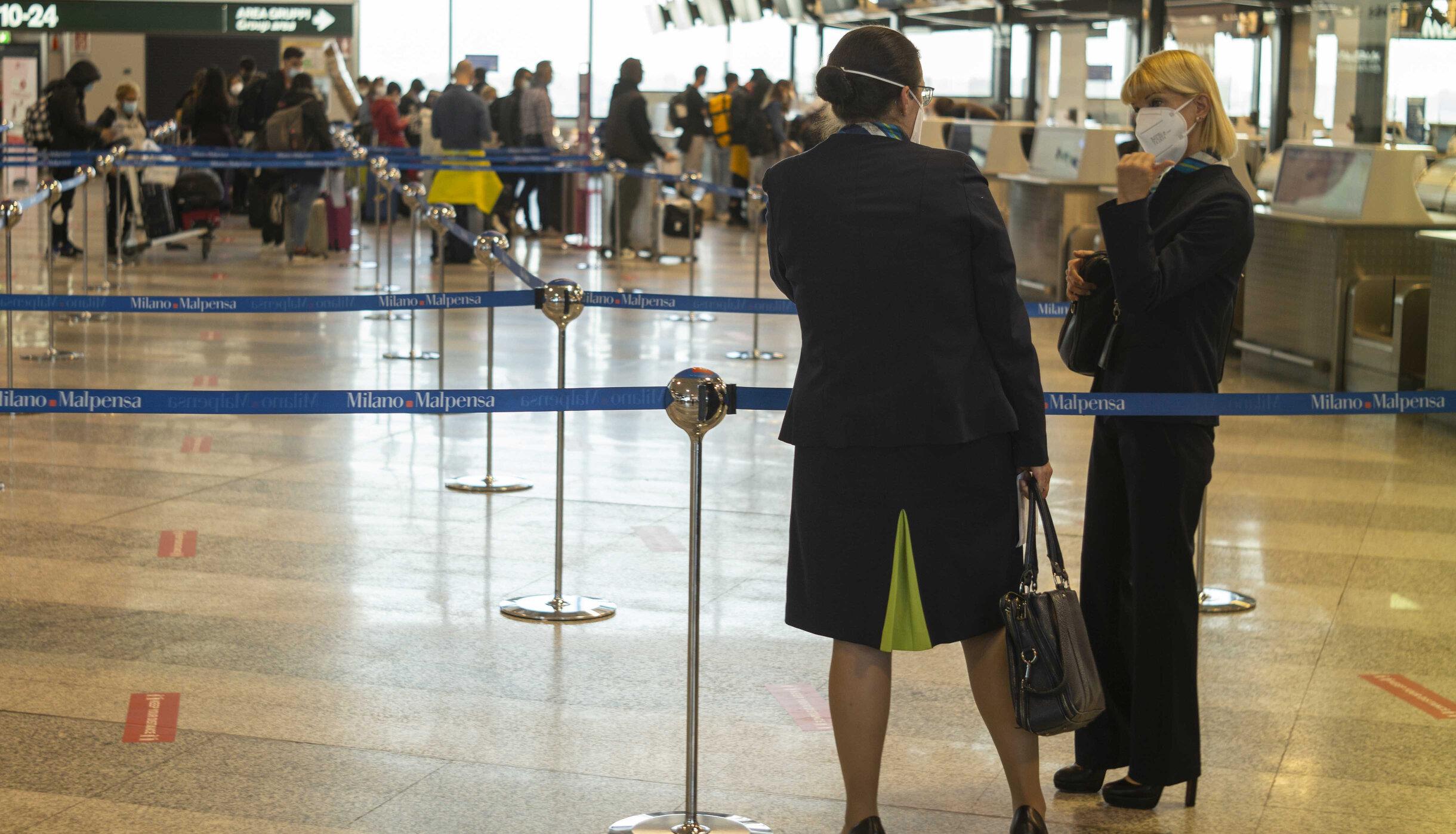 Comisia Europeană propune relaxarea restricțiilor de călătorie către UE pentru turiștii complet vaccinați