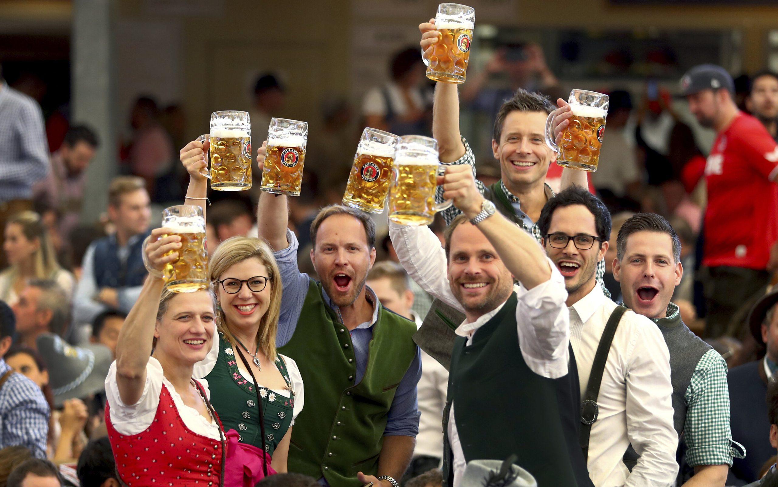 """Oktoberfest este anulat pentru al doilea an consecutiv. """"Să uităm de festivalurile mari anul ăsta"""""""