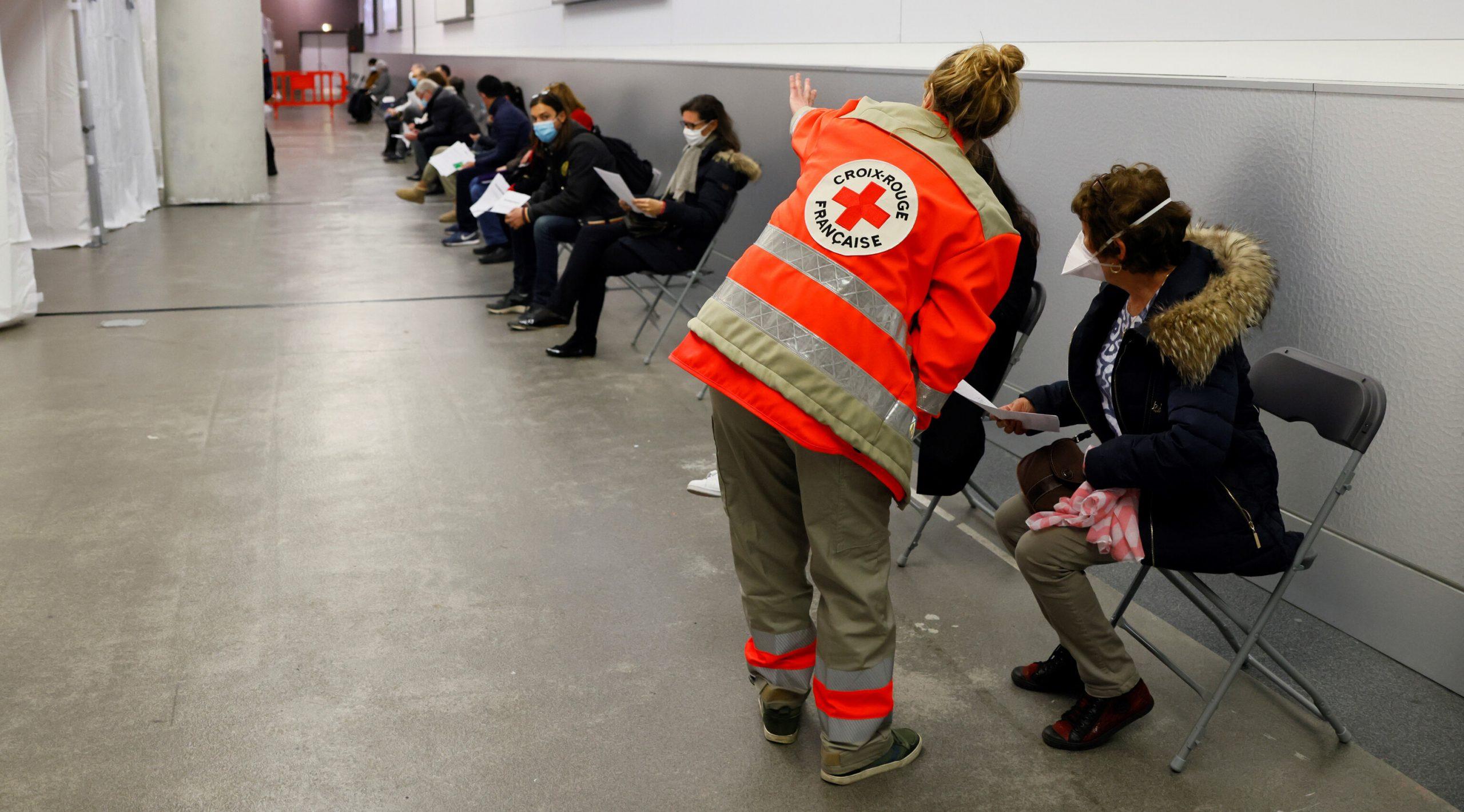 Franța a raportat cu 350.000 mai multe cazuri Covid decât erau în realitate, în ultimele trei luni
