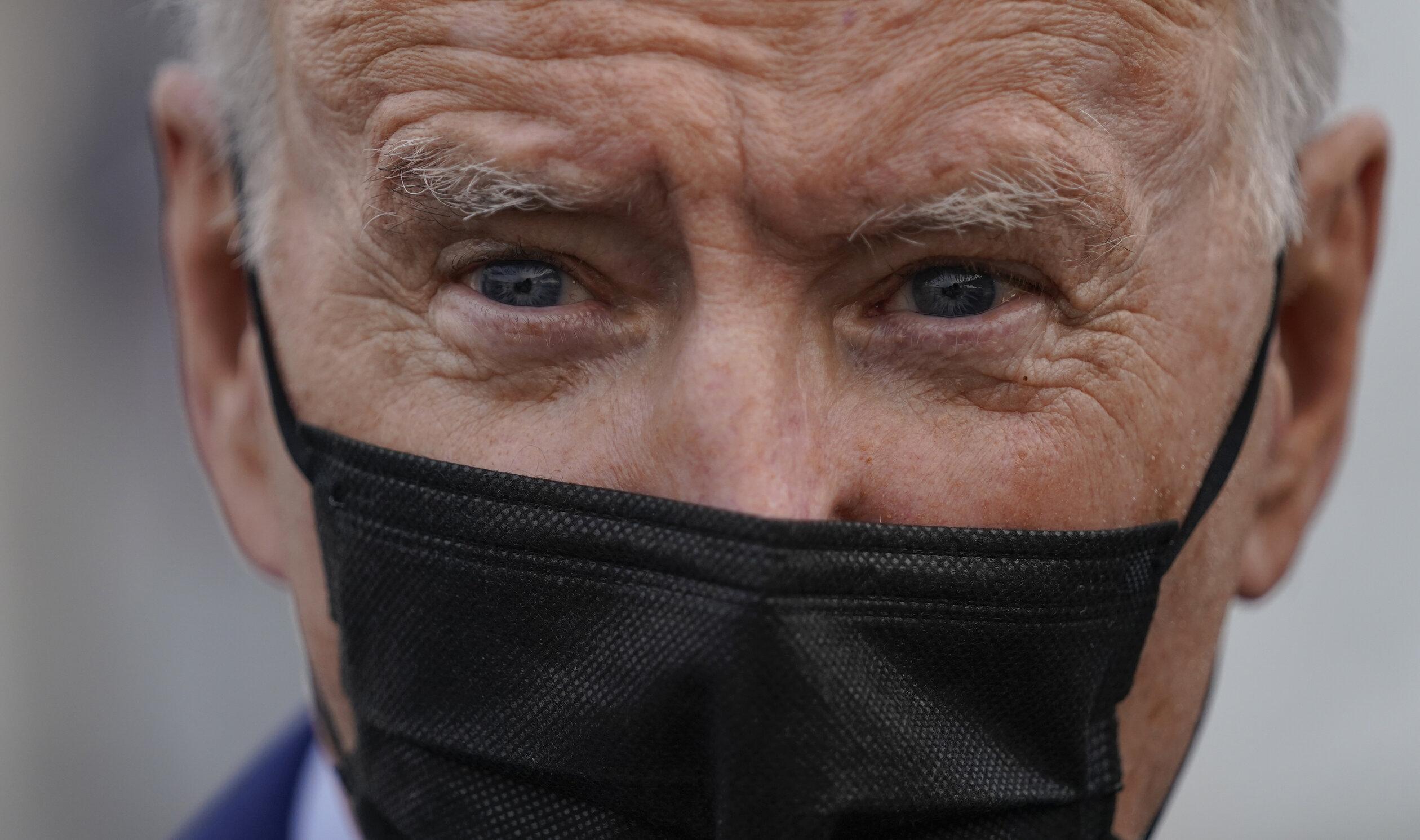"""Joe Biden promite că adolescenții vor fi vaccinați """"imediat"""" ce serul anti-Covid va fi autorizat pentru respectiva grupă de vârstă"""