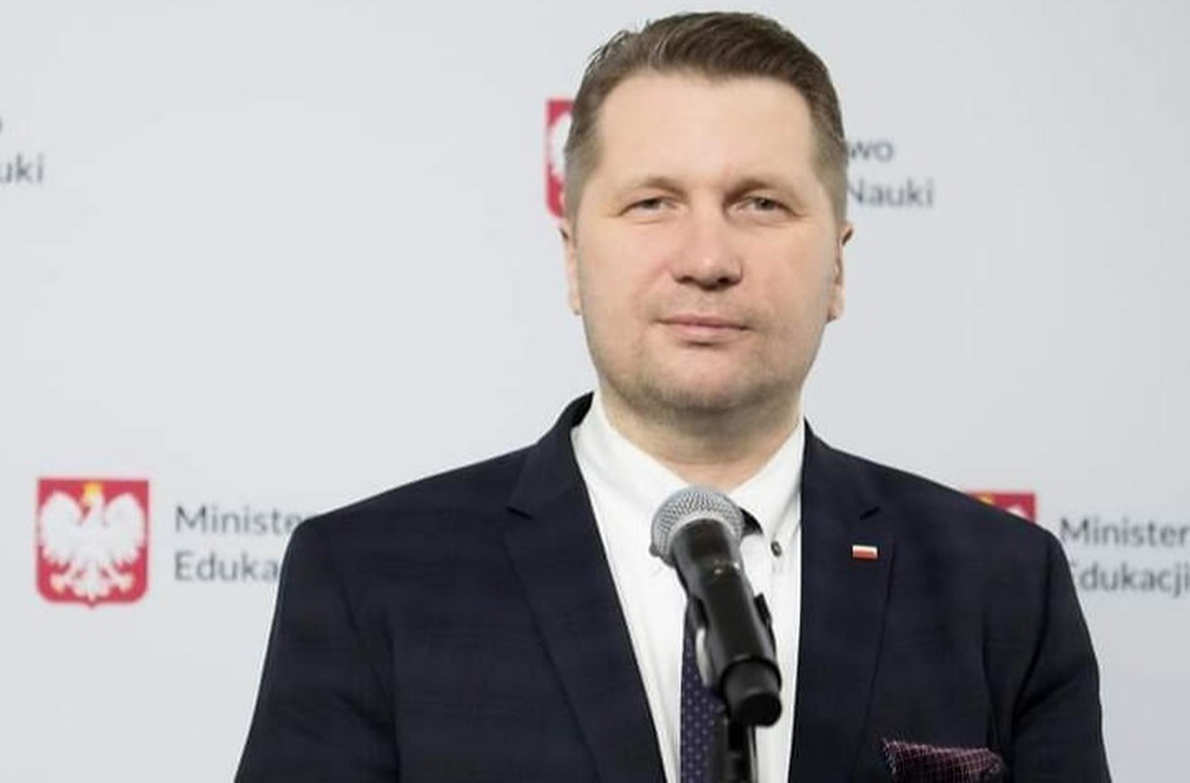 Polonia trebuie să copieze integral legea maghiară anti-LGBT, crede ministrul polonez al   Educației