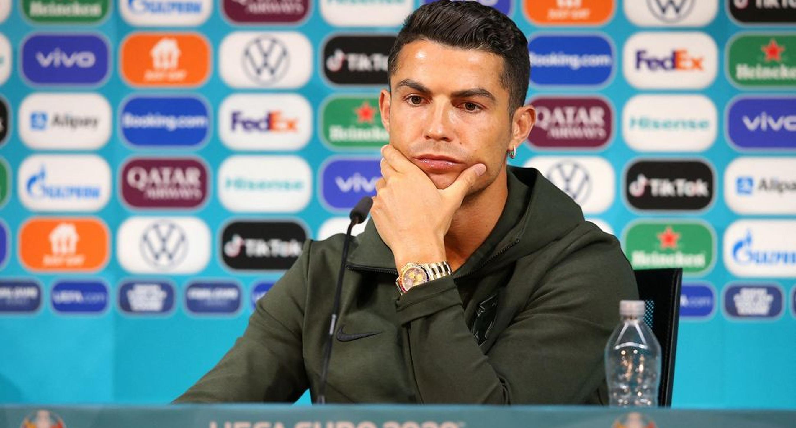 Analiză Forbes: Nu Cristiano Ronaldo a influențat valoarea acțiunilor Coca Cola. O lume întreagă a rostogolit o iluzie